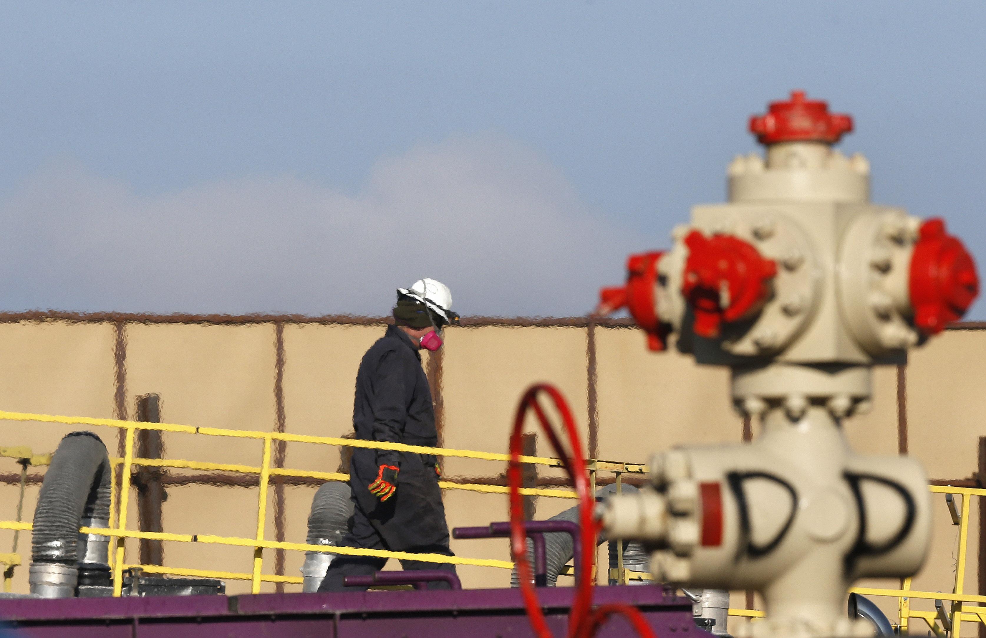 Photo: Fracking operation in Colorado (AP Photo)