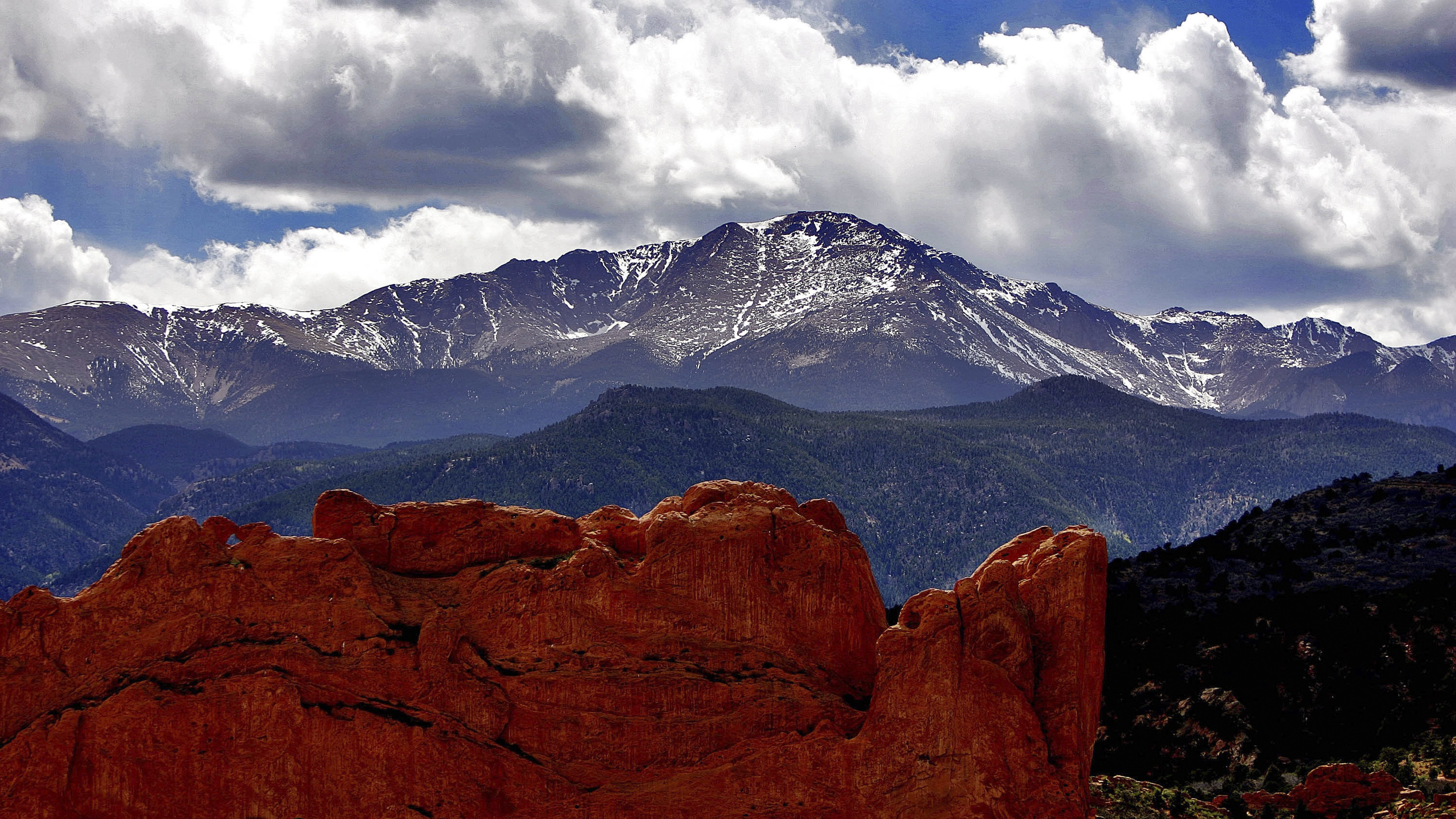 Photo: Pikes Peak (AP Photo)