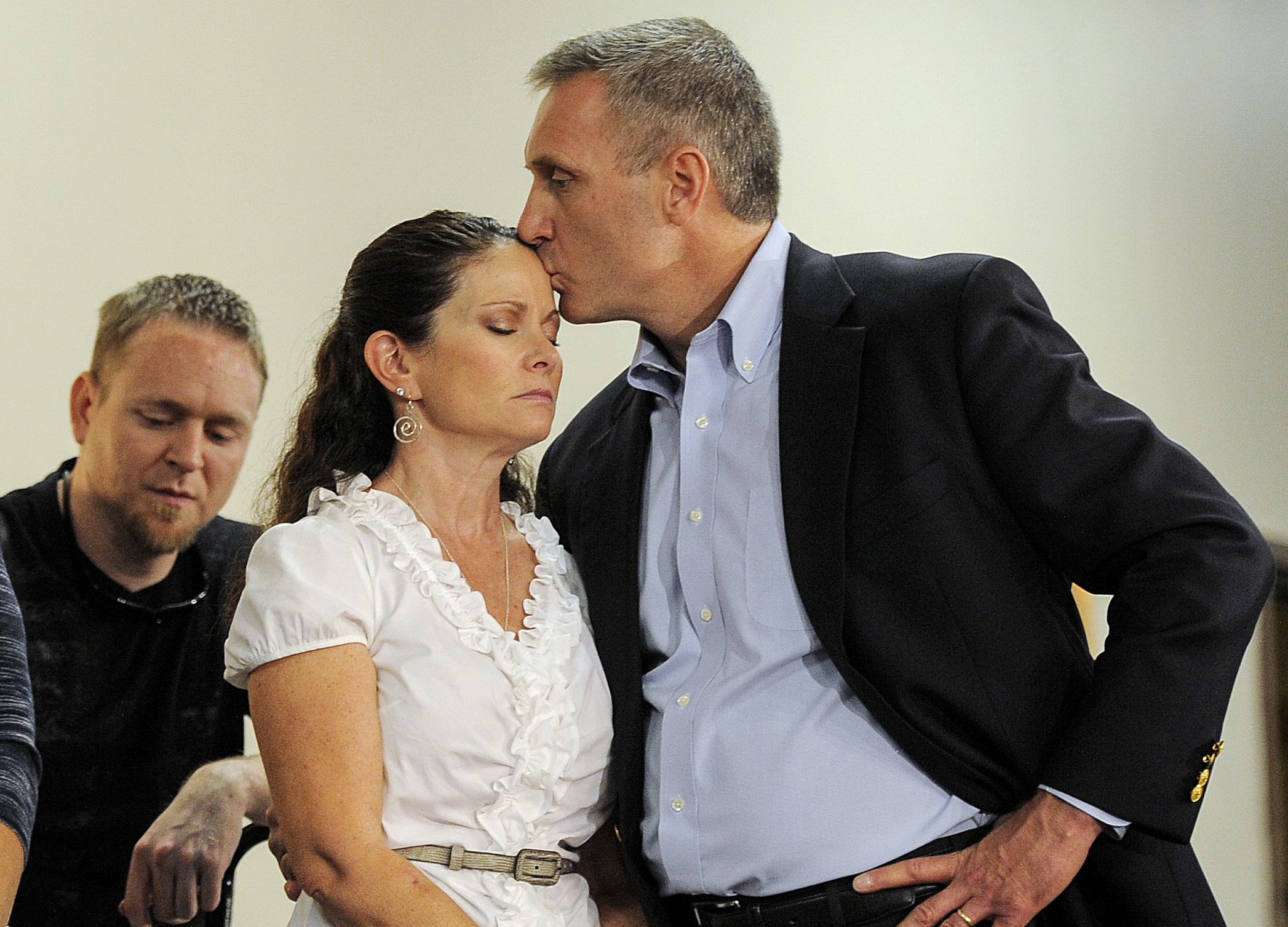 Photo: Thomas Teves and wife Caren (AP Photo)