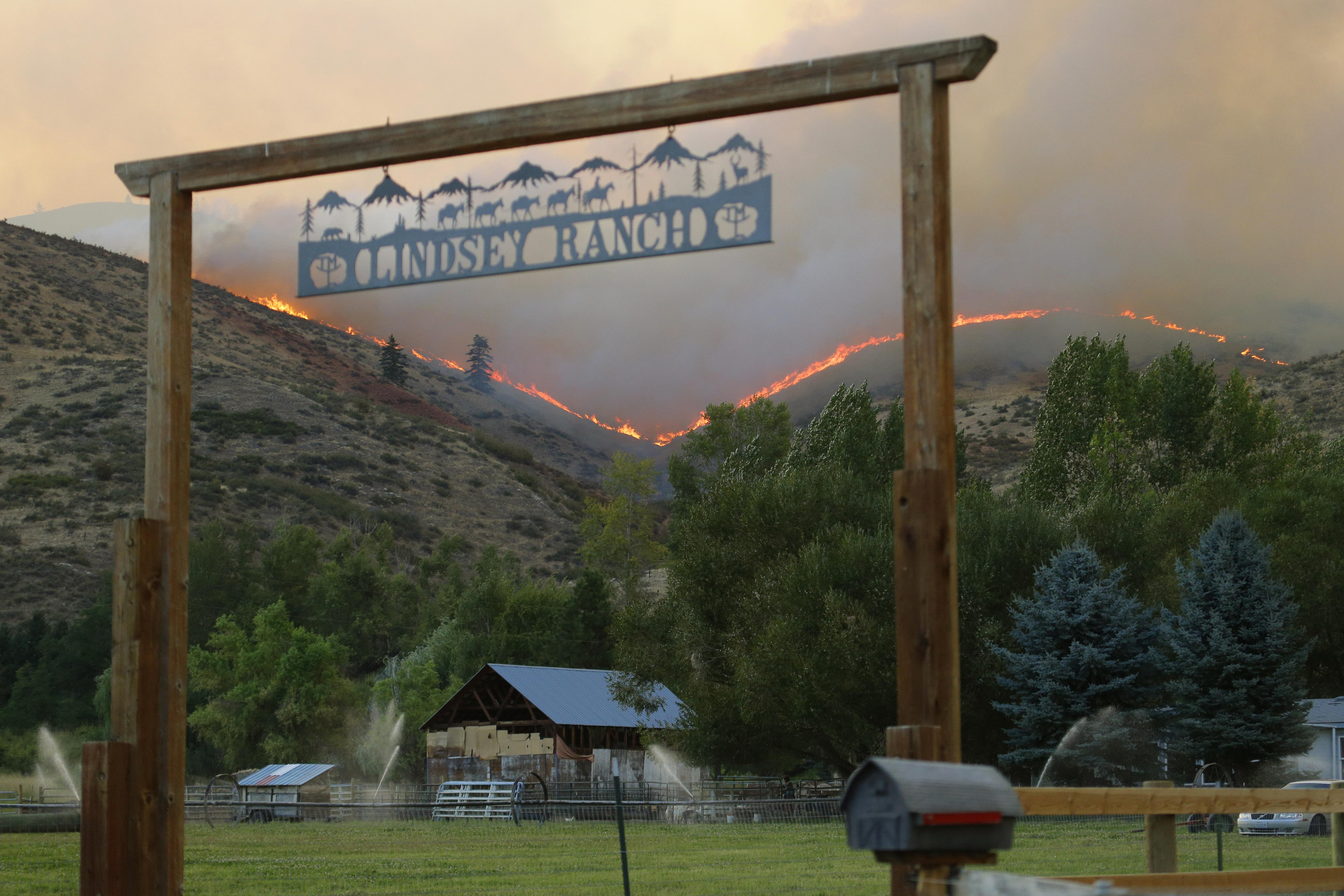 Photo: Washington fire (AP Photo)