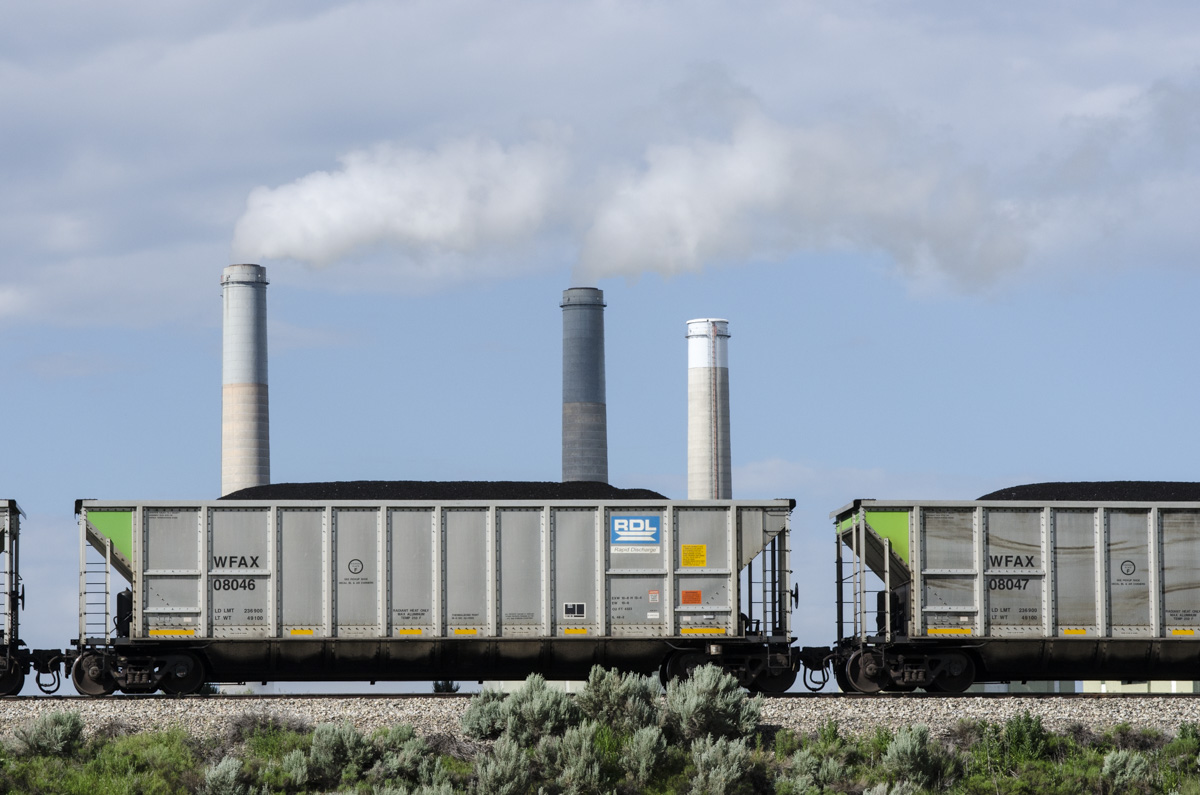 Photo: Craig coal 7 | Craig Station power plant zoomed in 3