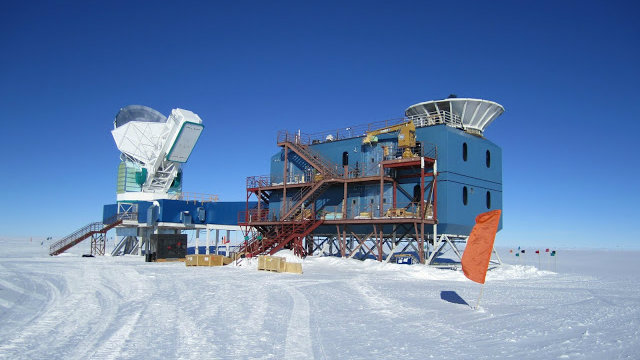 <p>The Bicep2 station in the South Pole.</p>