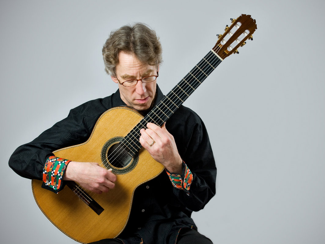 Photo: Classical guitarist Eliot Fisk