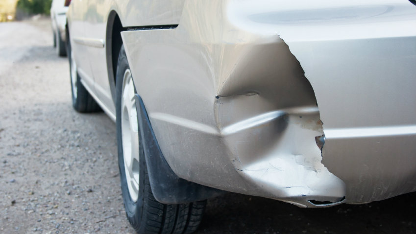 Photo: Car bumper after accident (iStock)