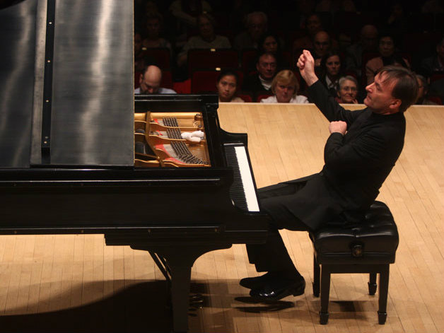 Photo: Pianist Stephen Hough