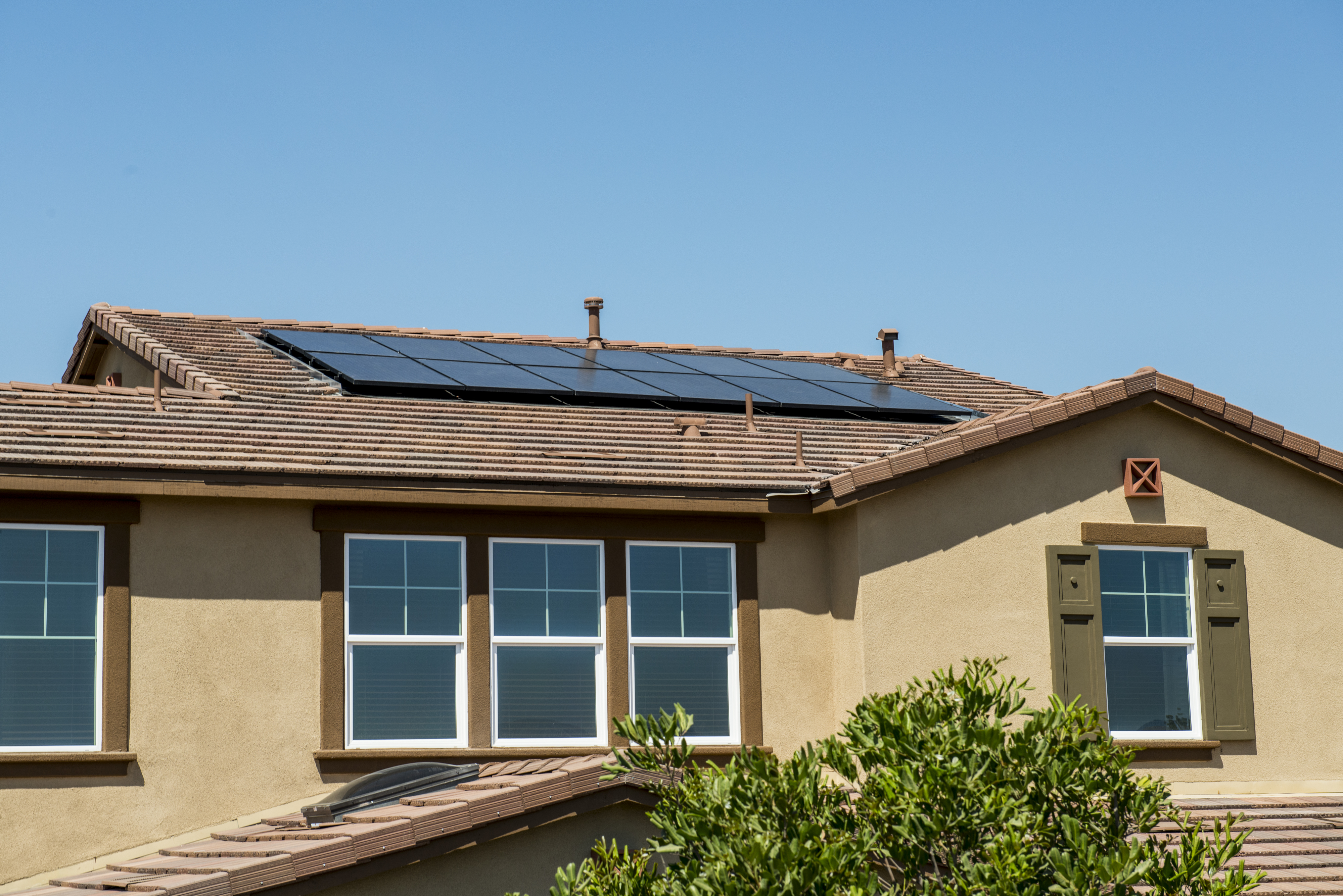 <p>Rooftop solar panels on a Lennar home. </p>