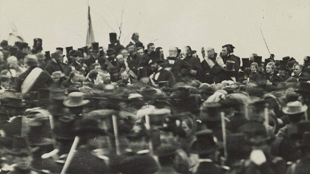 "<p><span style=""color: rgb(85, 85, 85); font-family: Verdana, Arial, Helvetica, sans-serif; font-size: 10px; line-height: 13px;"">A rare photograph from 1863 of President Abraham Lincoln at Gettysburg.</span></p>"