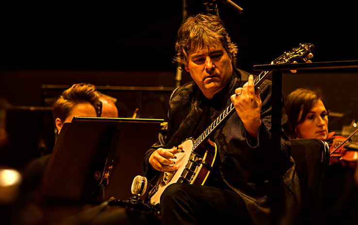 Photo: Bela Fleck with Colorado Symphony