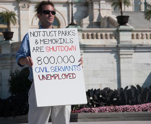 Photo: Demonstrator outside U.S. Capitol protests government shutdown