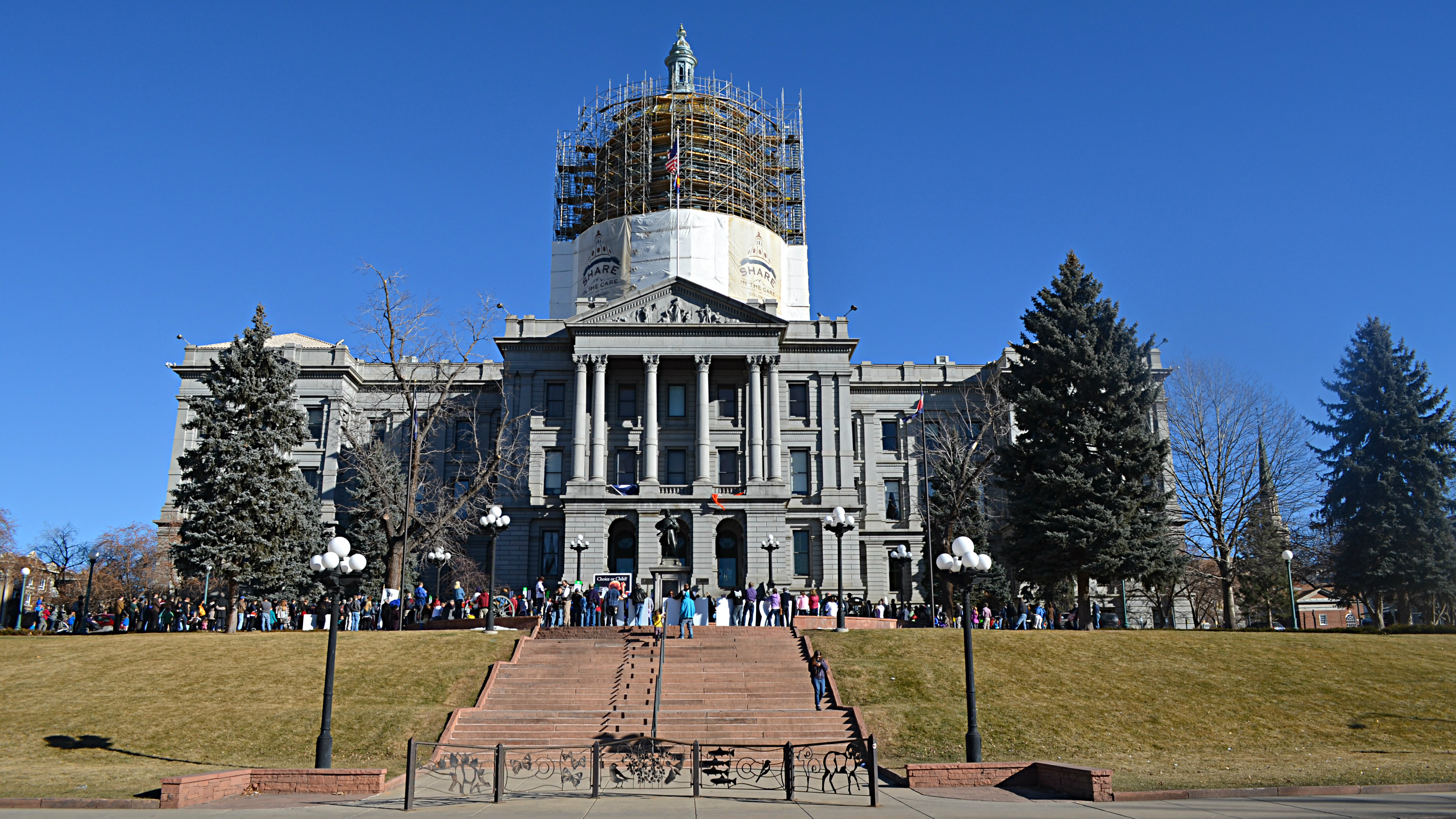 Photo: State Capitol Winter 2014