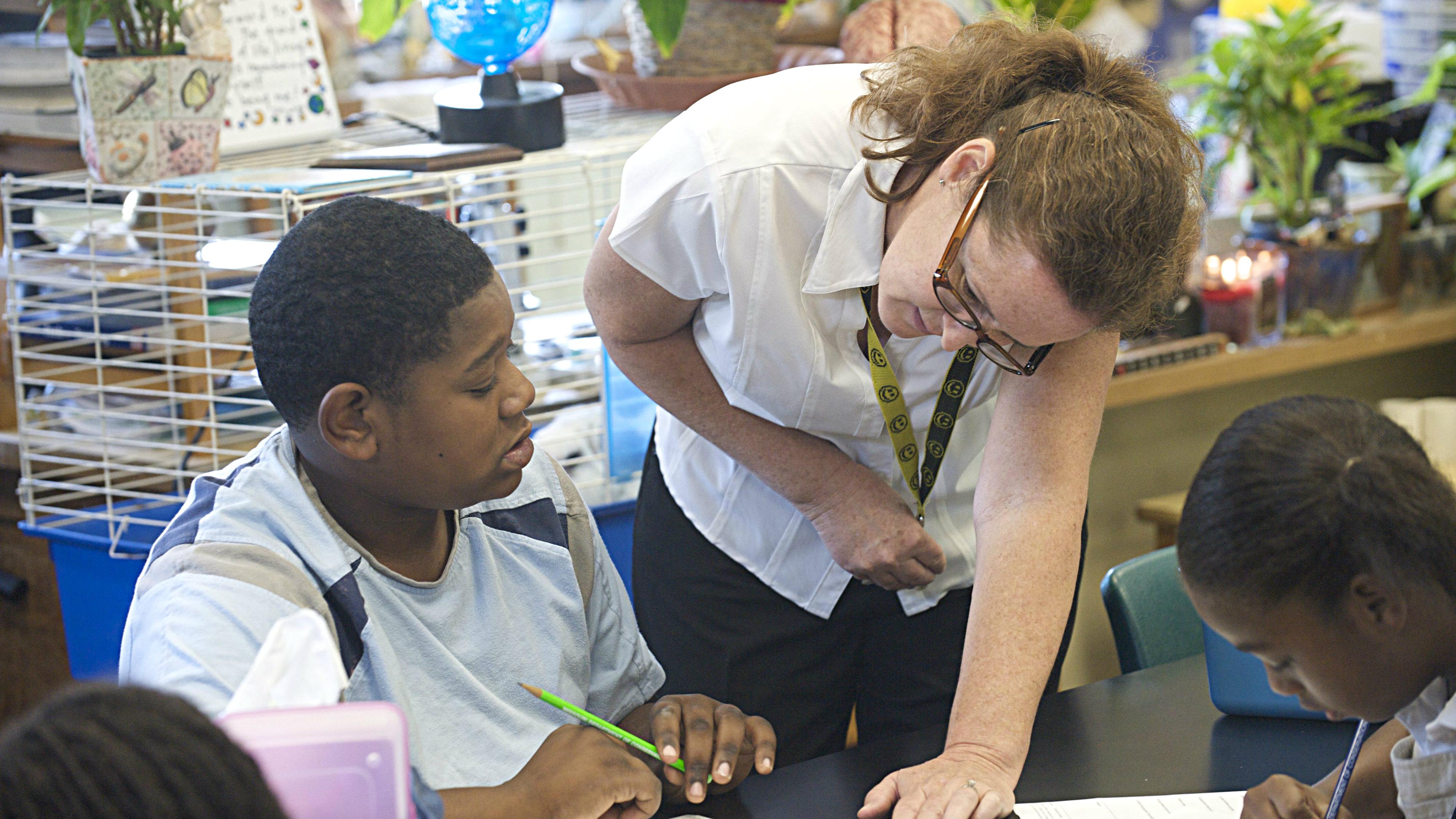 Photo: Photo: Teacher teaching 1