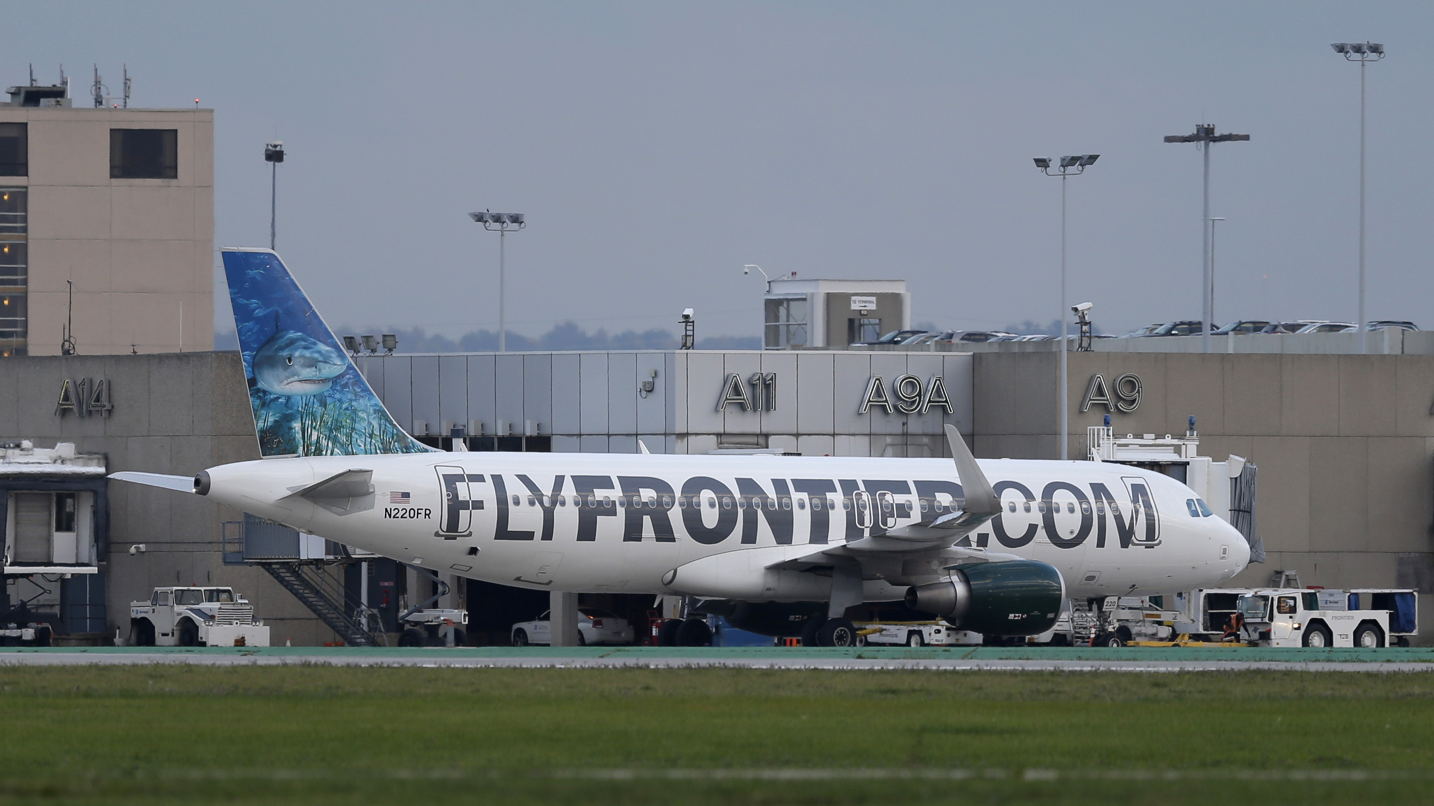 Photo: Frontier plane that flew Ebola patient