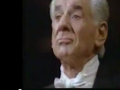 Photo: Leonard Bernstein conducts with facial expressions thumbnail