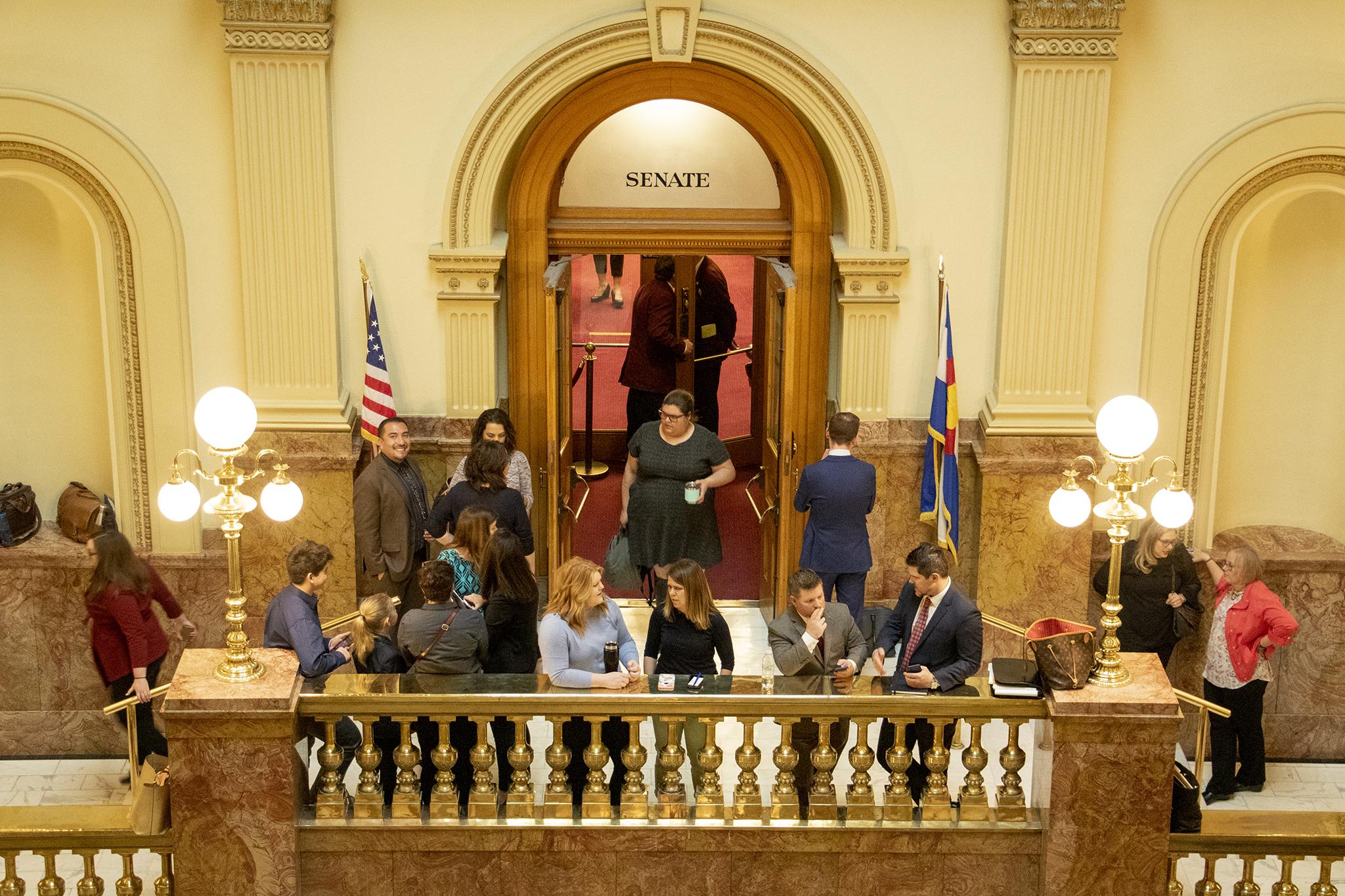 Photo: COLEG 2019 | Senate Chamber Door Crowd - KBeaty