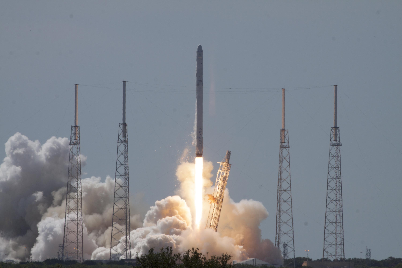 Photo: SpaceX Launch June 28 2015 (NASA)