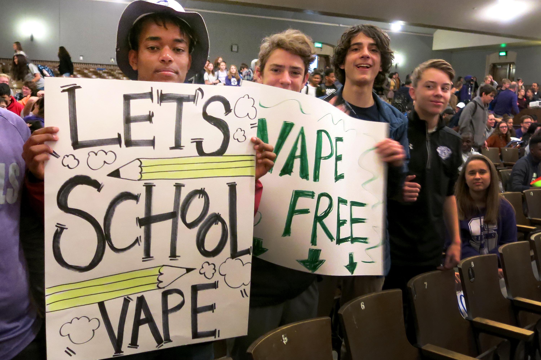 Photo: Vaping South High School 1 JD 20181211