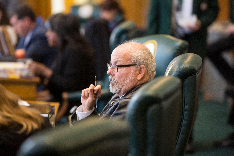 Photo: Tom Sullivan Red Flag Legislature 5 HV