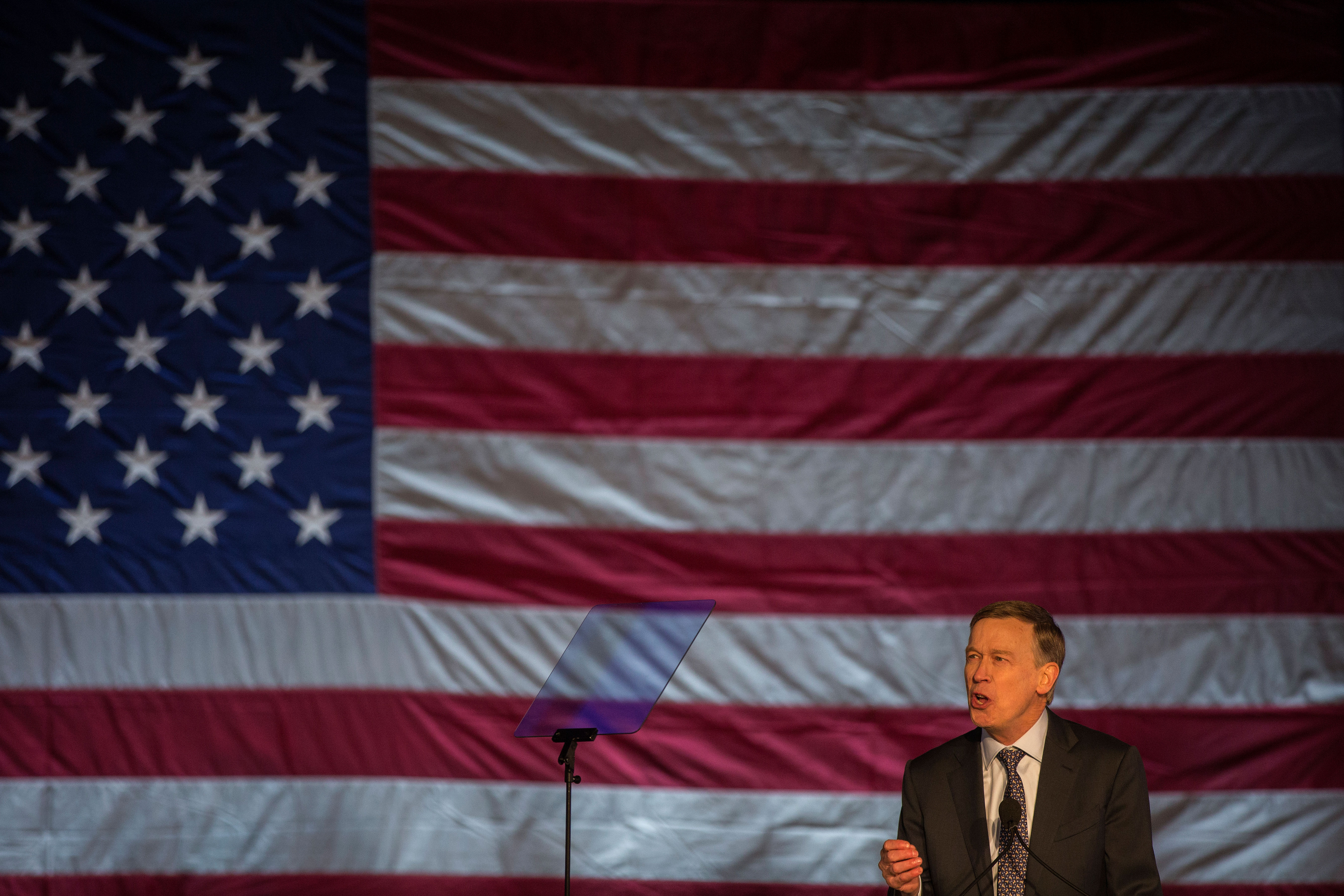 Photo: Hickenlooper Announces 3 HV 20190307