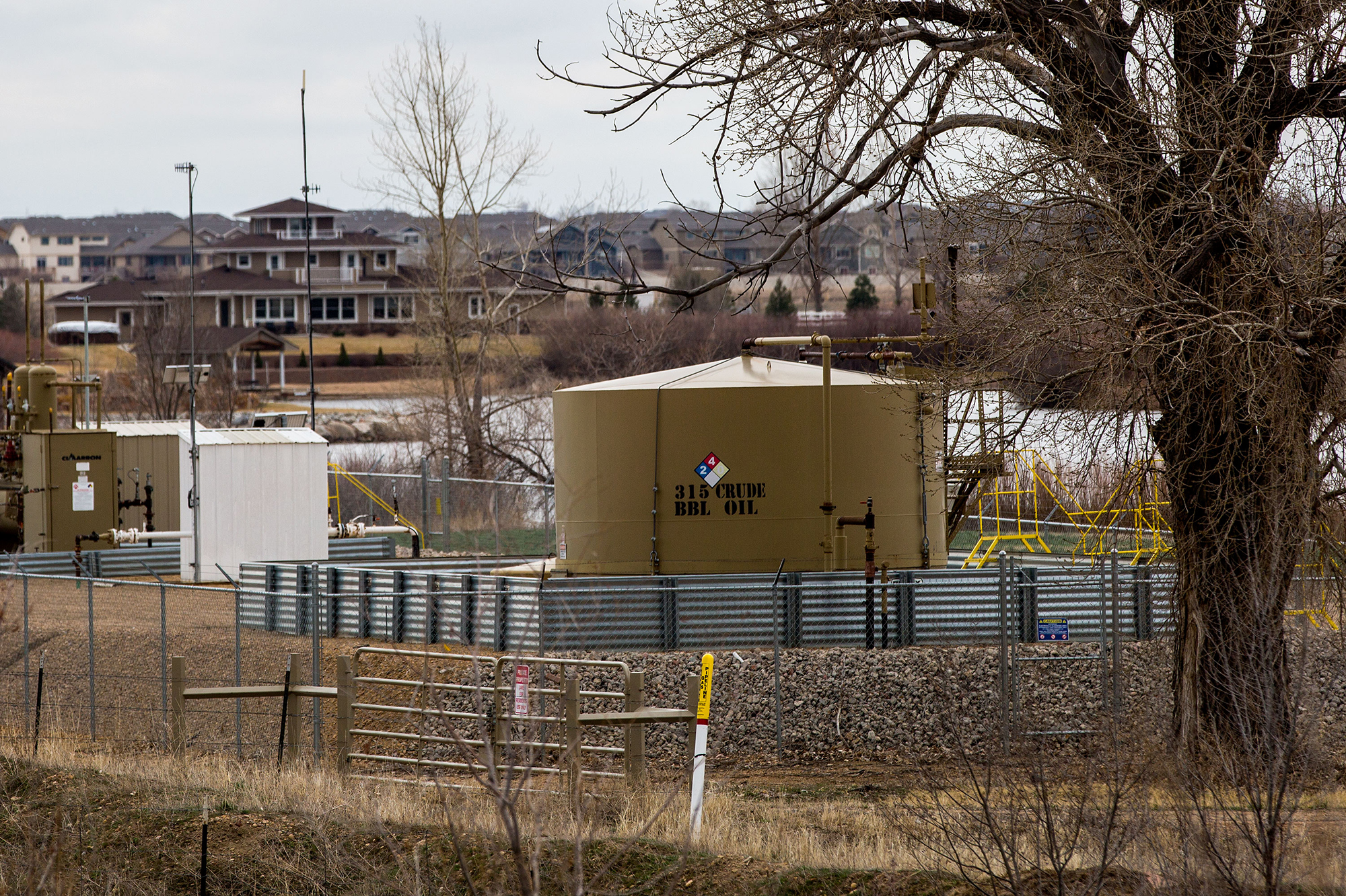 Photo: Weld County Oil And Gas Near Homes 1 HV