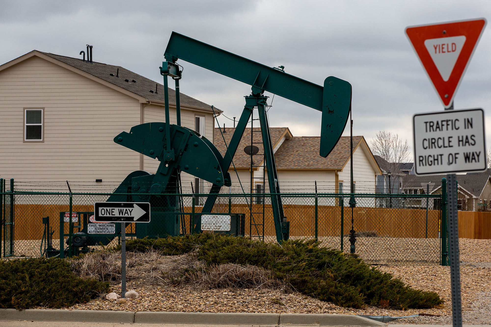 Photo: Weld County Oil And Gas Near Homes 5 HV
