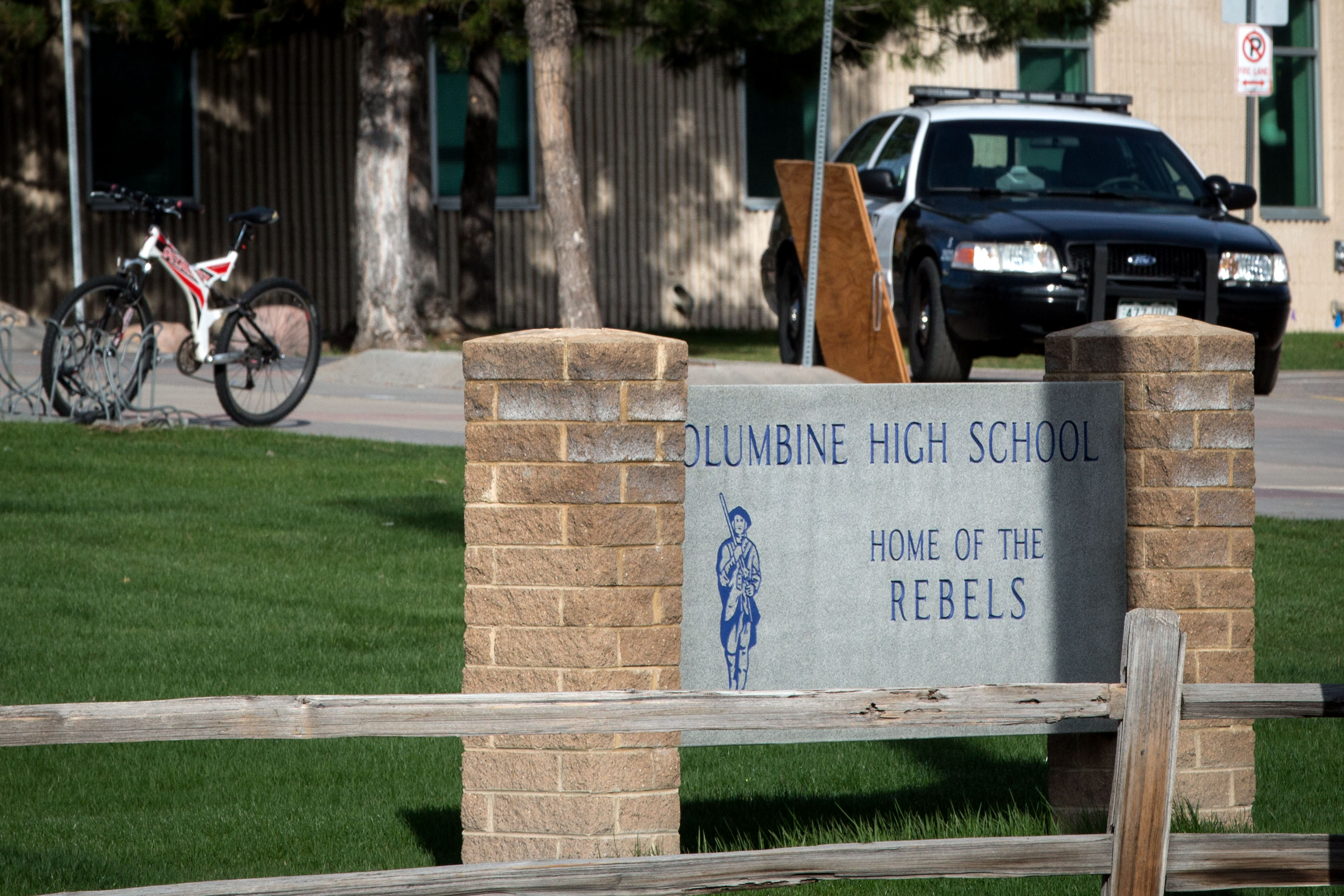 Photo: Columbine High School Building 2 HV 20190417