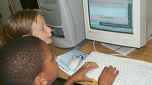 Photo: students on computer