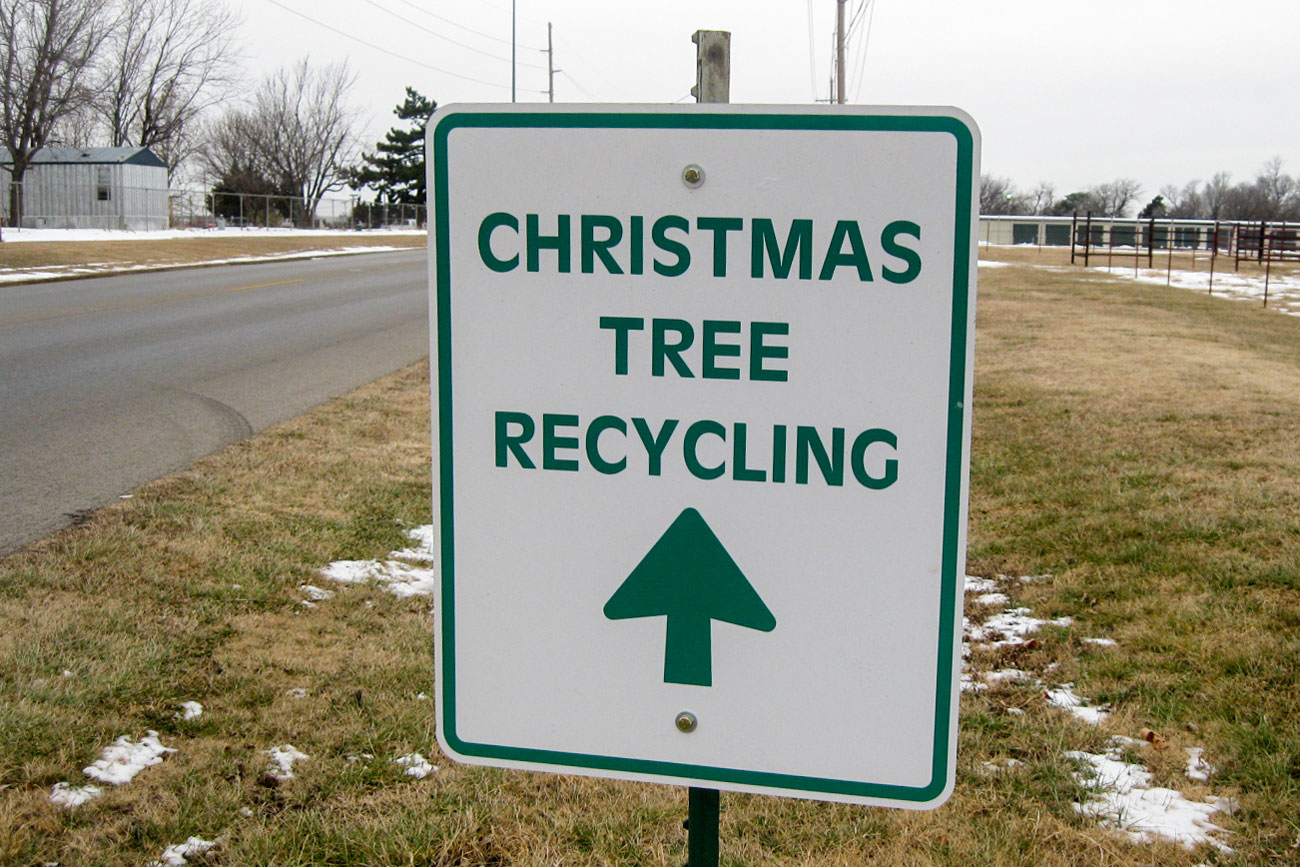 Photo: Christmas Tree Recycle Sign - Flickr/cc