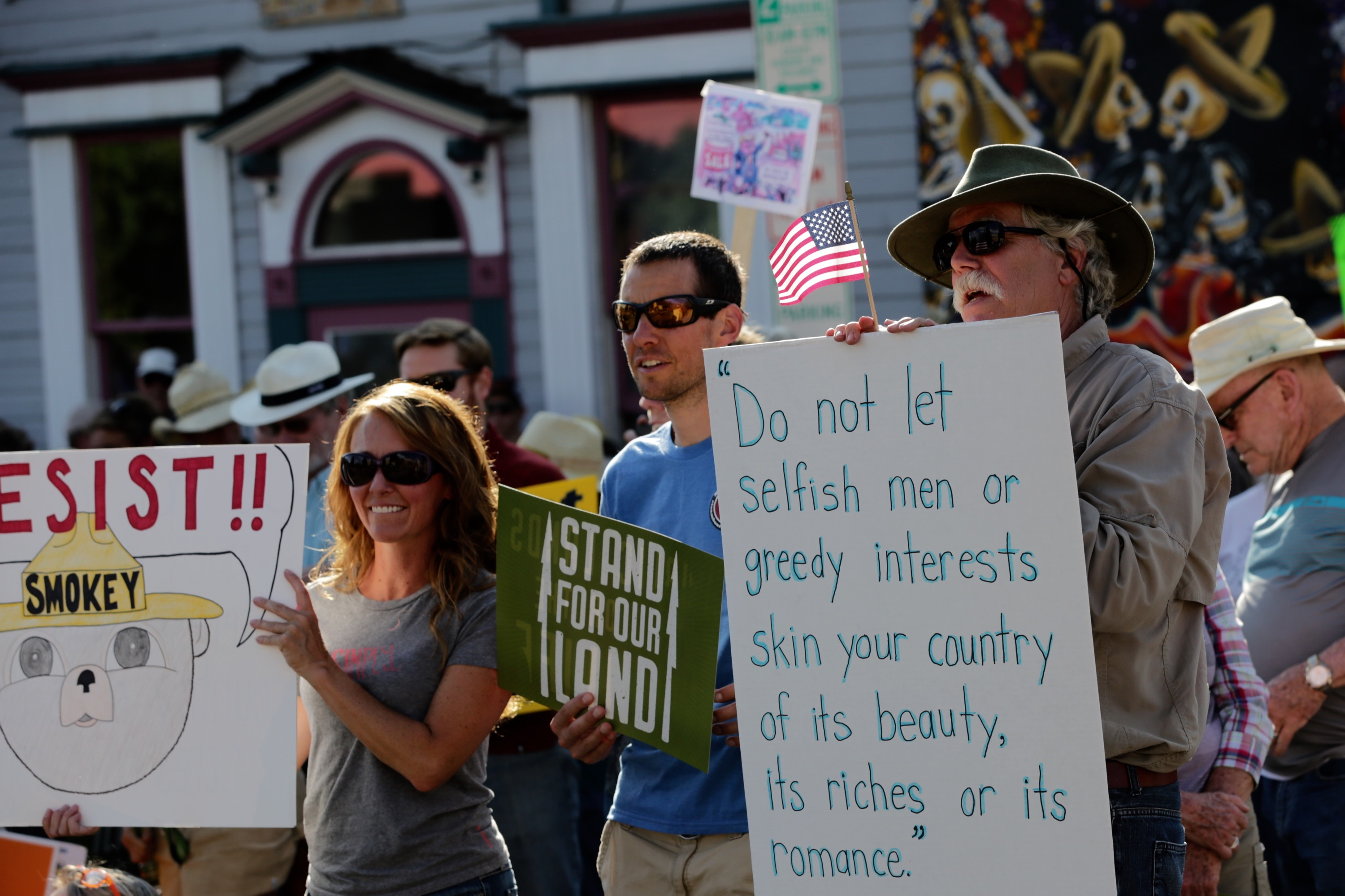 Photo: Steamboat Zinke Protest 1 (HV)