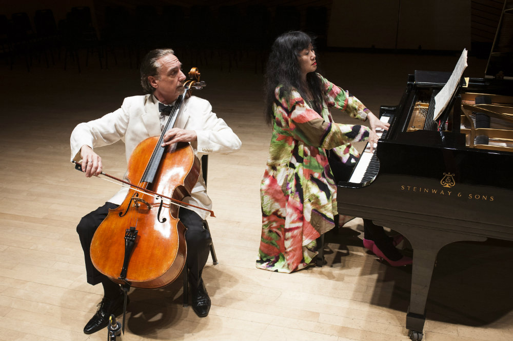 Photo: Cellist David Finckel and pianist Wu Han