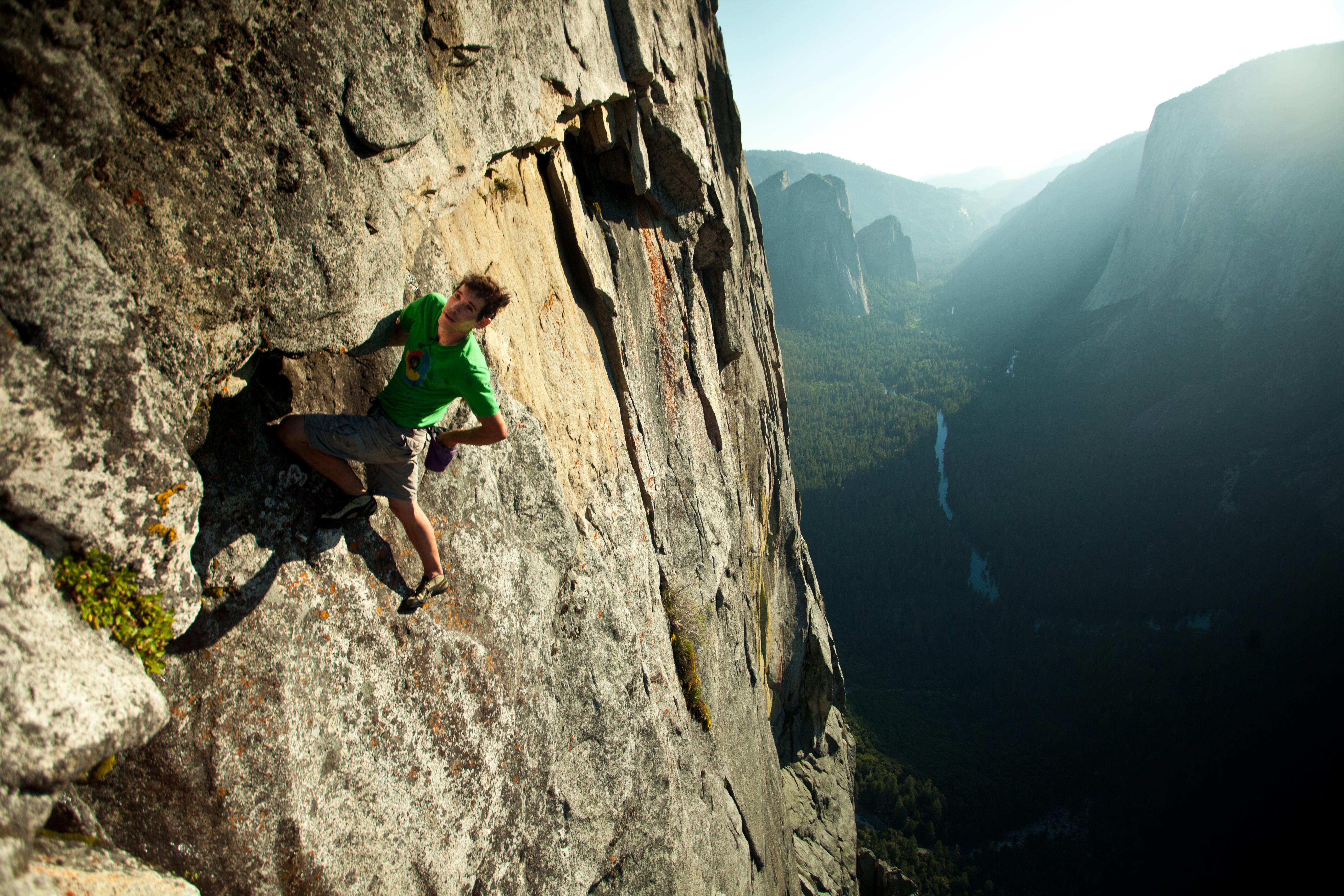 Photo: Alex Honnold free solo in Yosemite