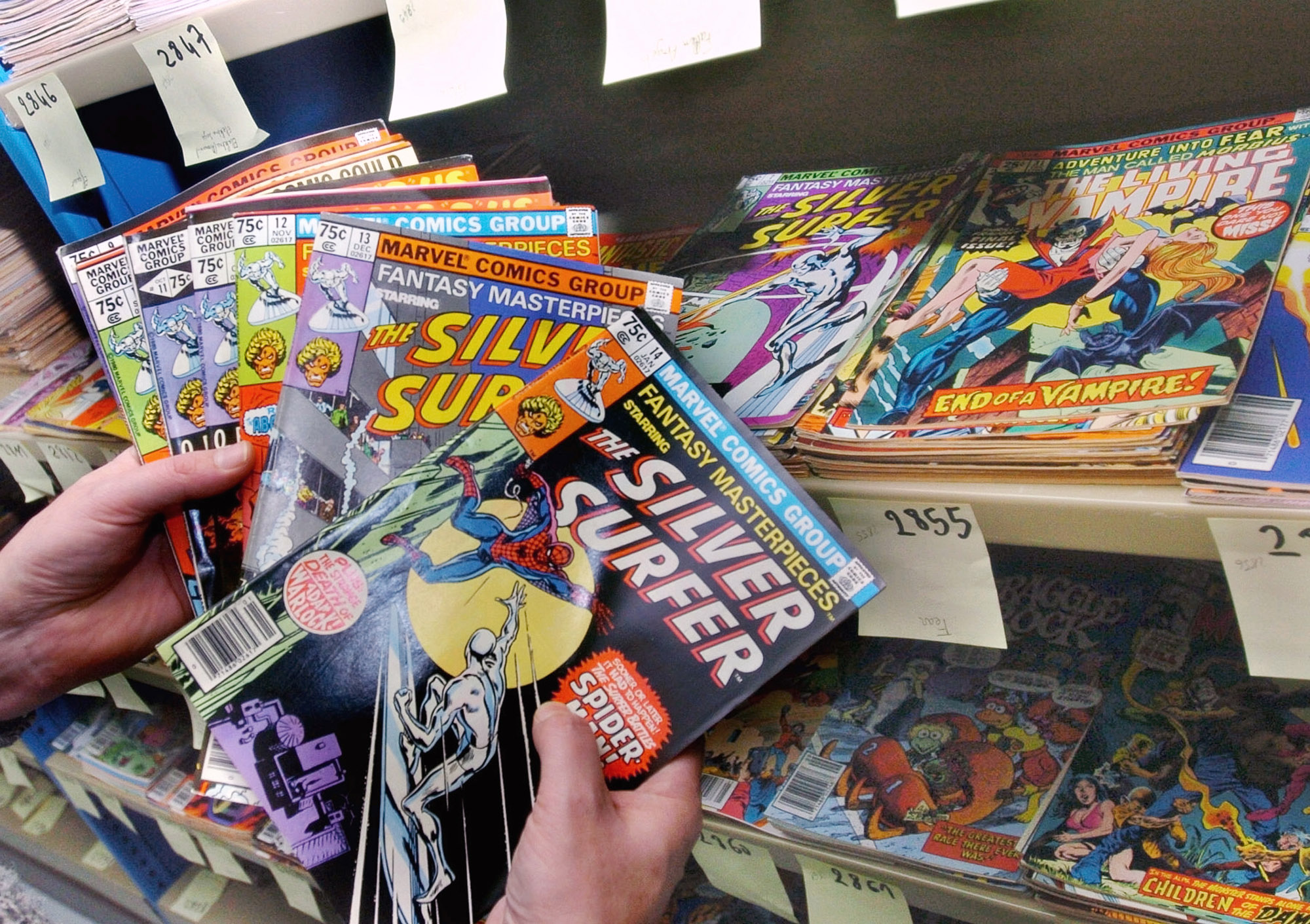 Photo: Silver Surfer Comics Marvel