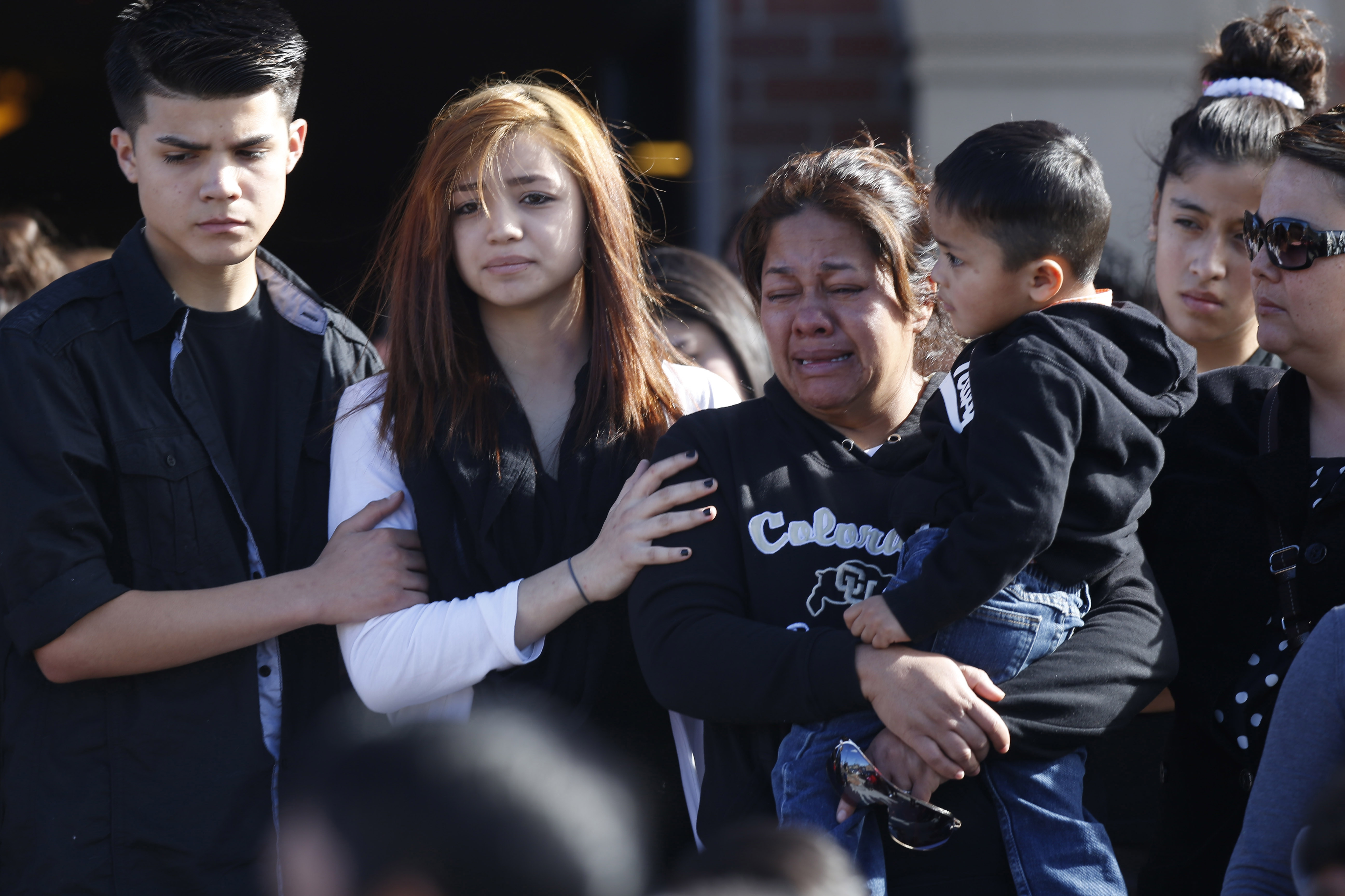 Photo: Laura Hernandez and family (AP Photo)