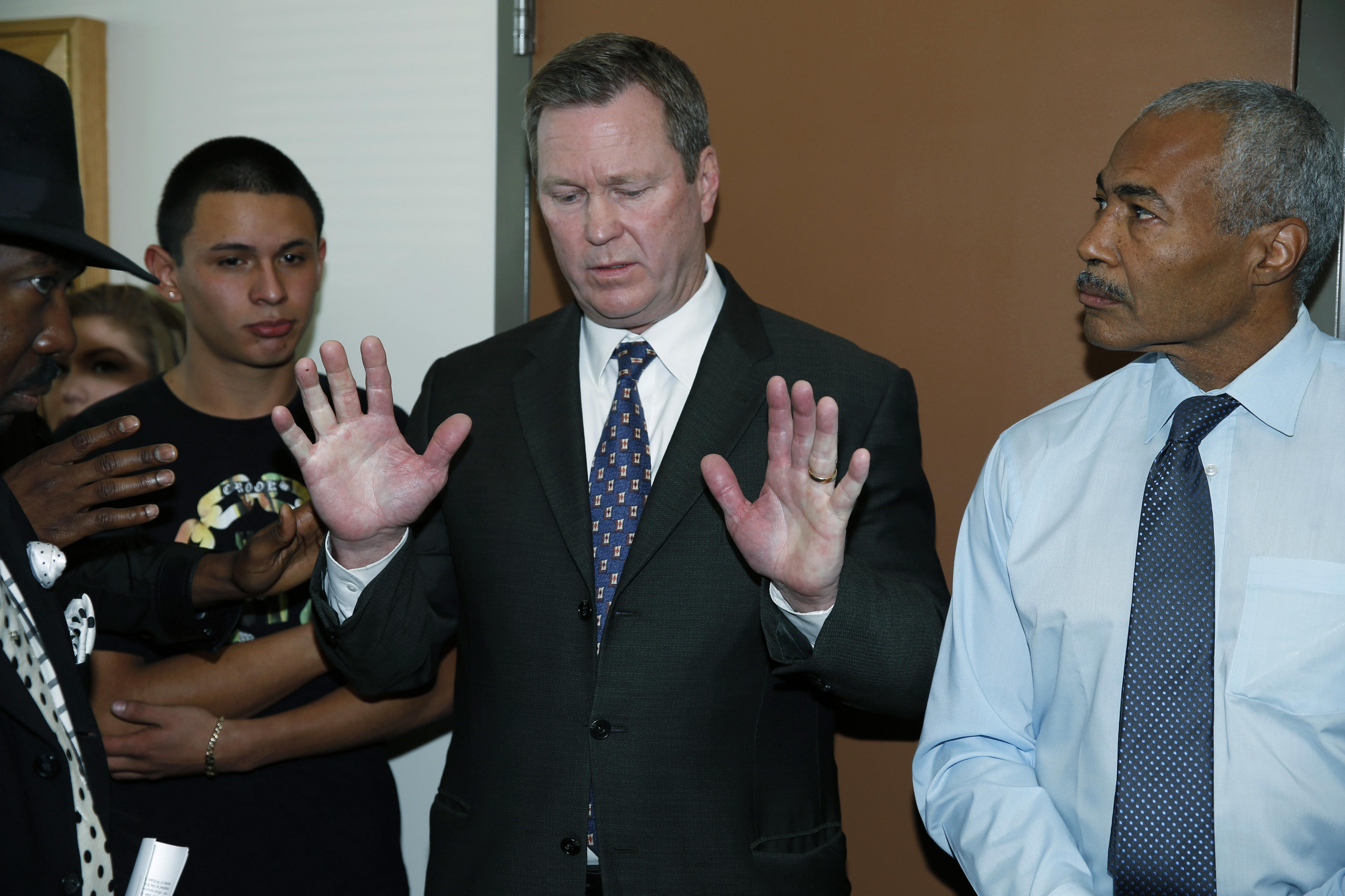 Photo: Chief deputy district attorneys (AP Photo)