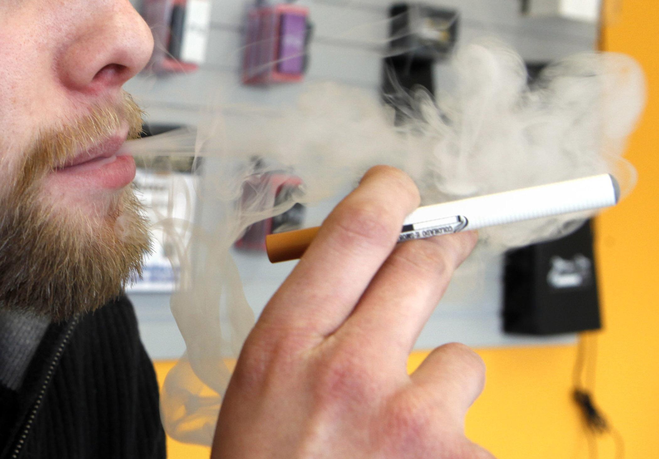 Photo: E-cigarette (AP Photo)
