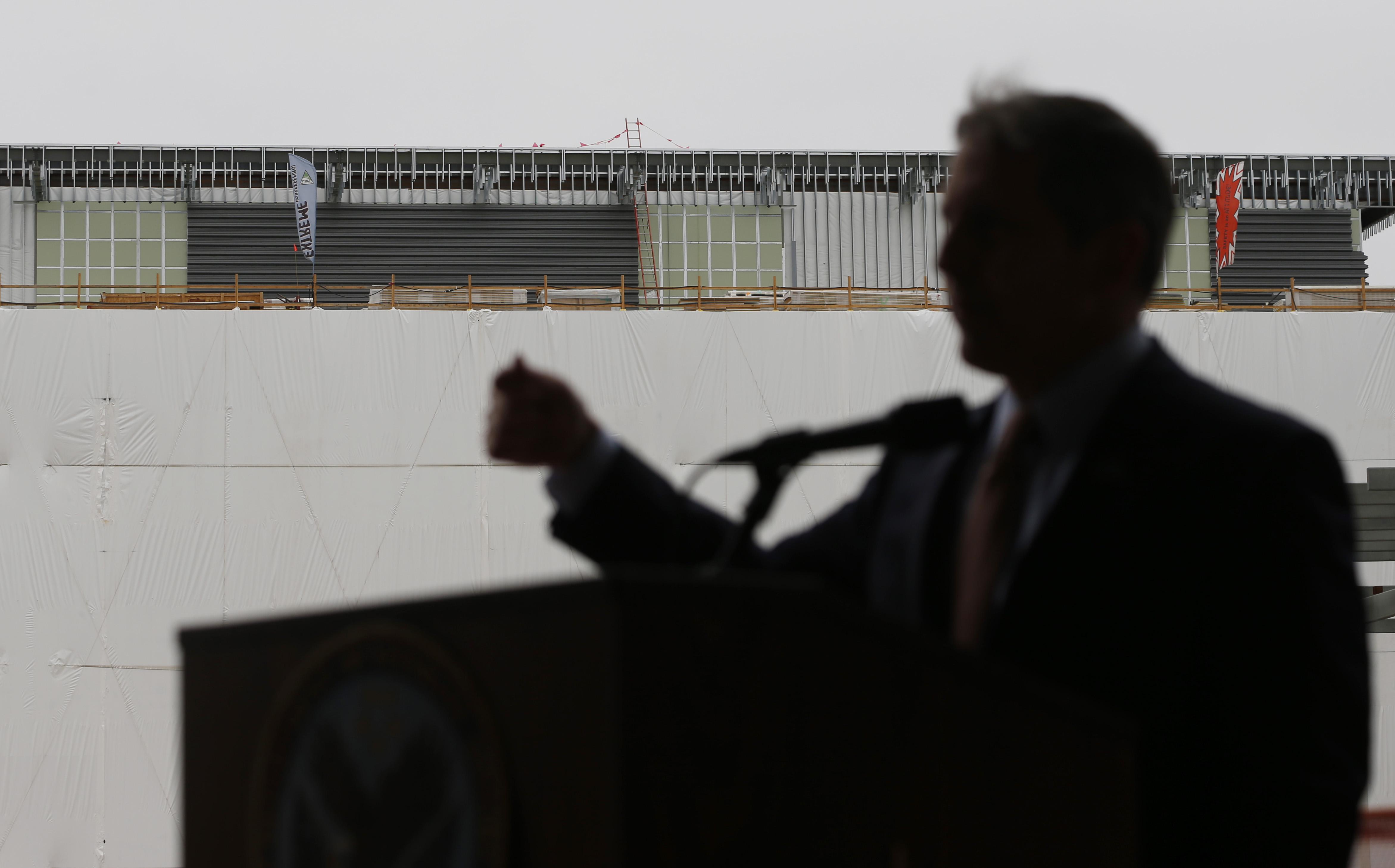 Photo: VA deputy secretary Sloan Gibson (AP Photo)
