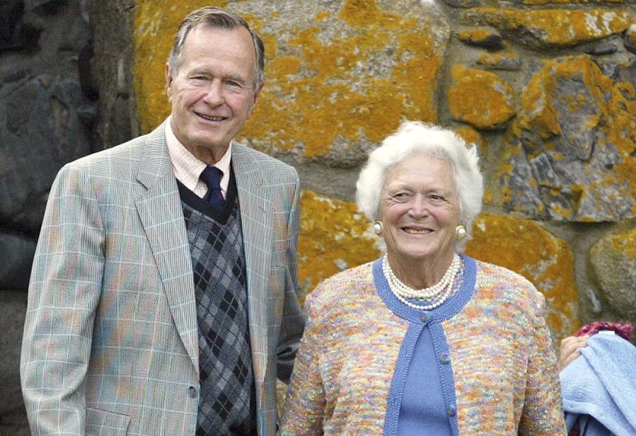 Photo: George HW, Barbara Bush At Stapleton Wedding (AP Photo)