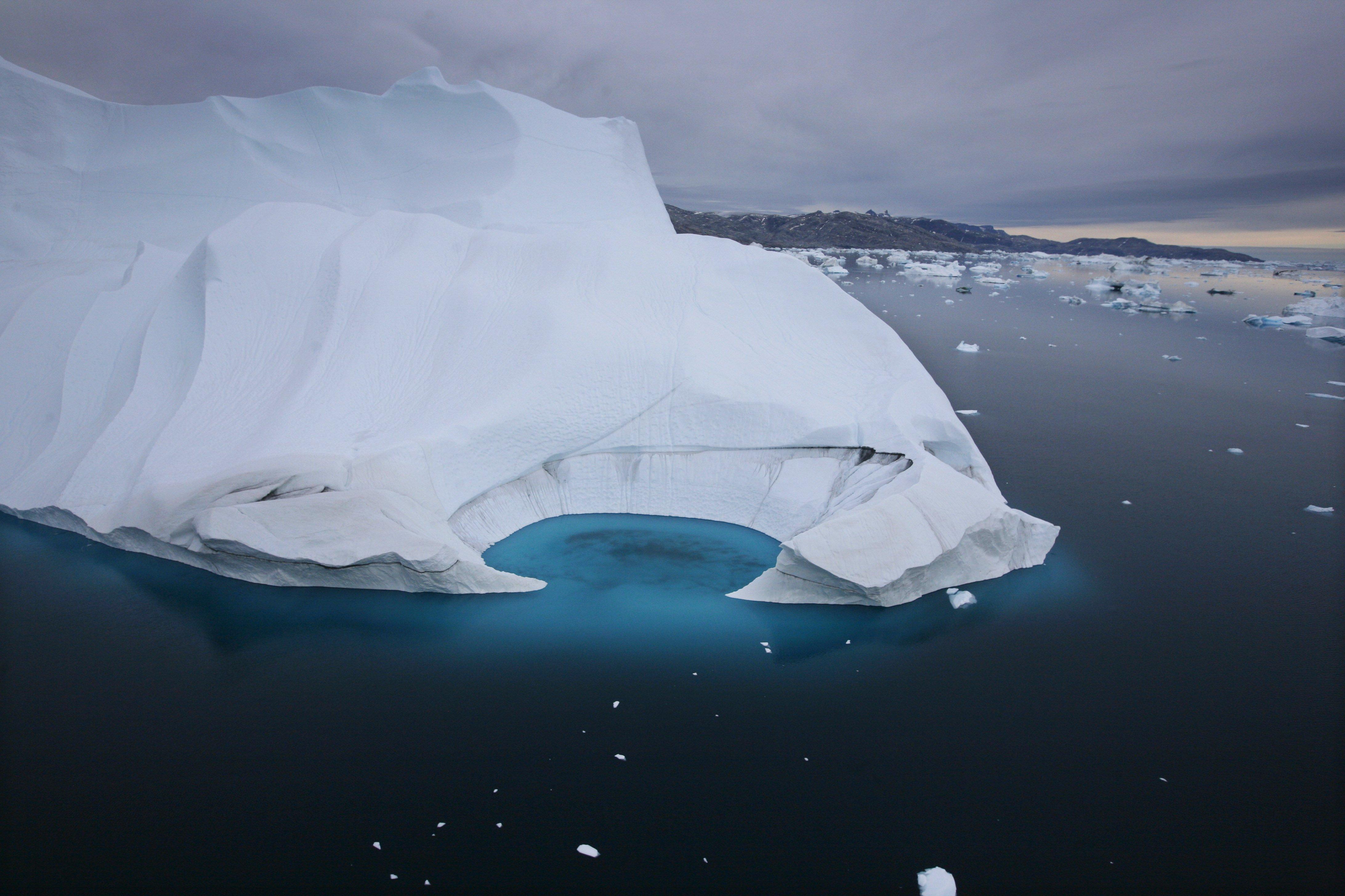 Photo: Melting iceberg (AP Photo)
