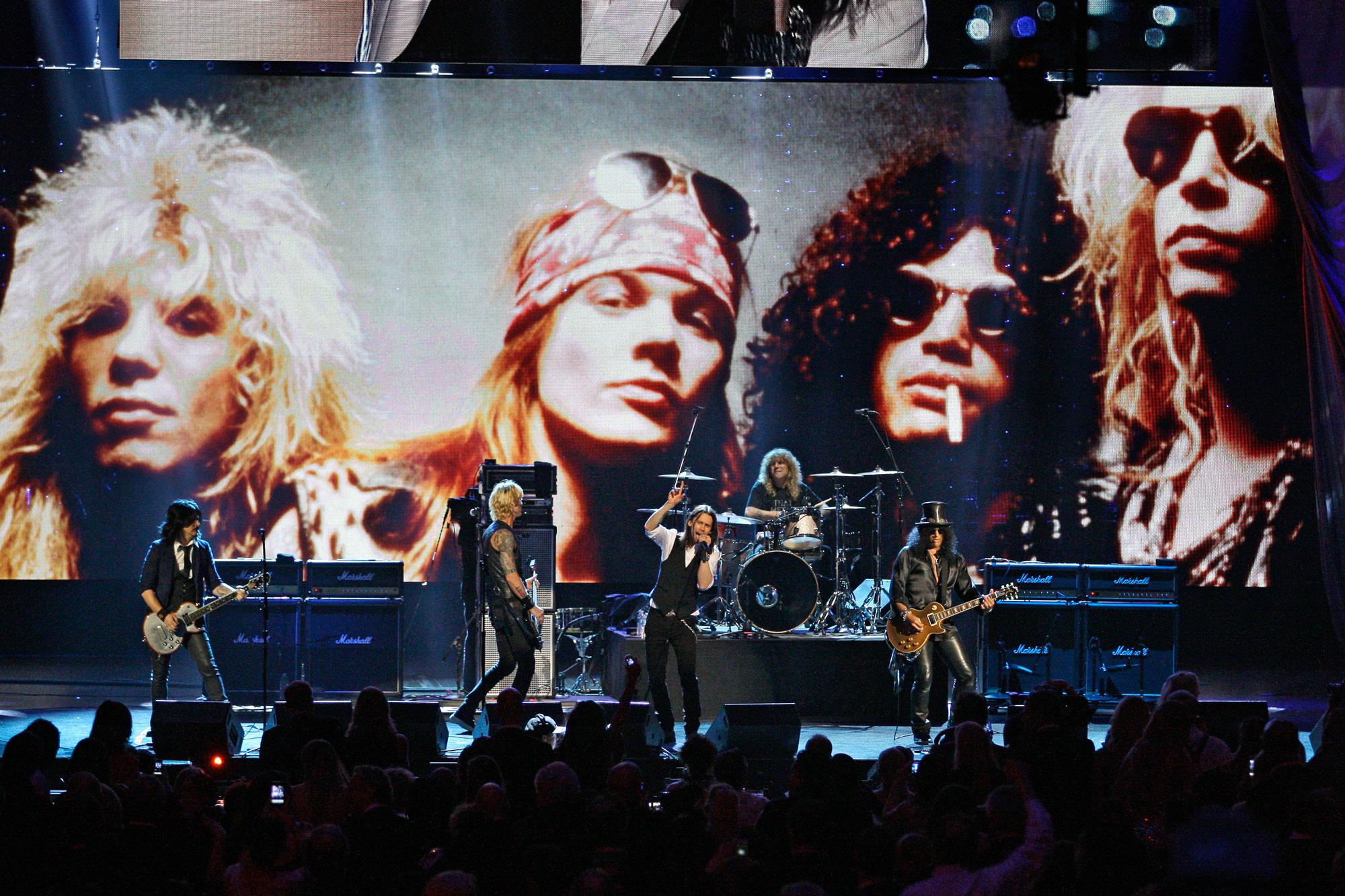 Photo: Guns N' Roses 2012