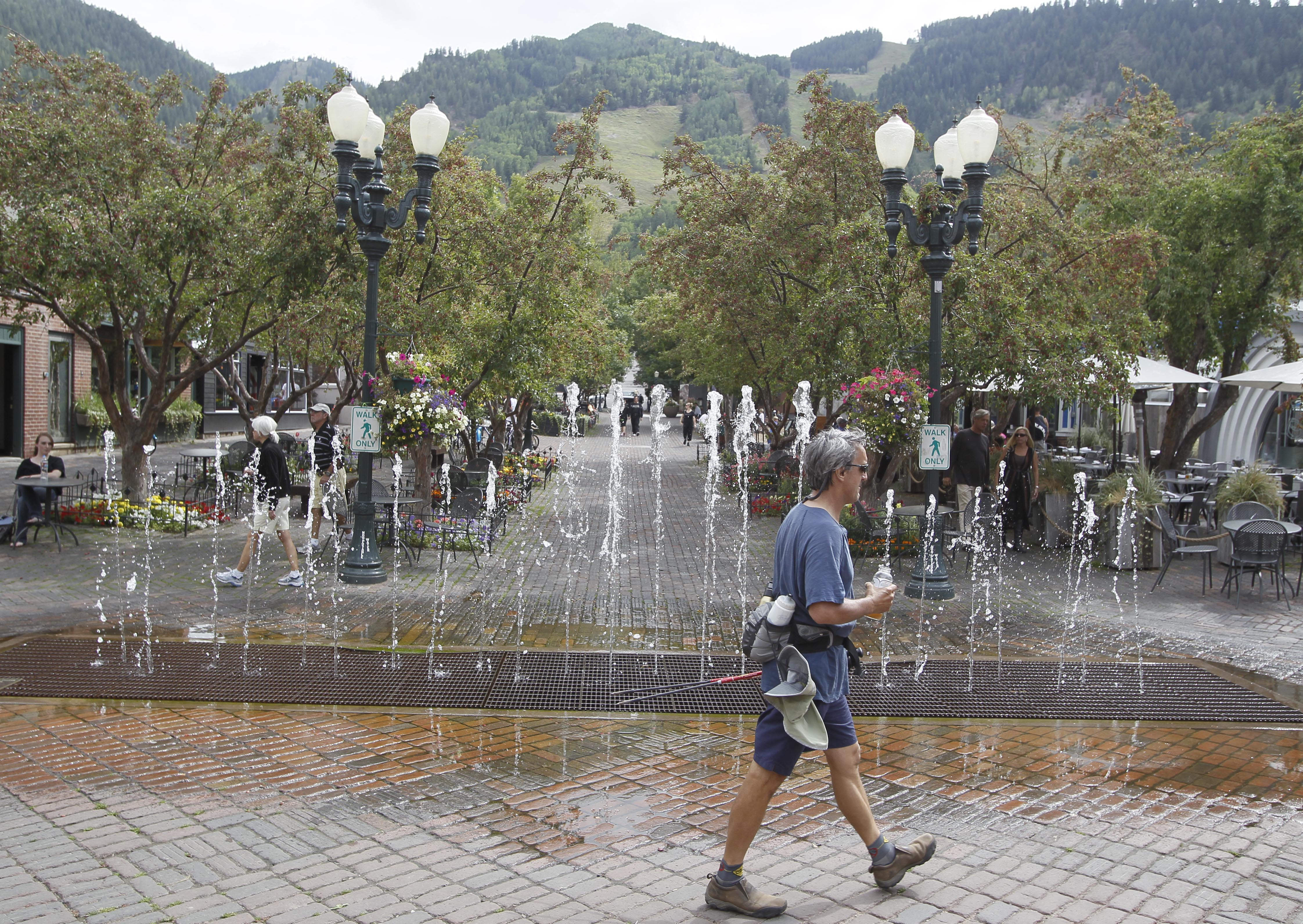 Photo: Fountain in downtown Aspen (AP Photo)