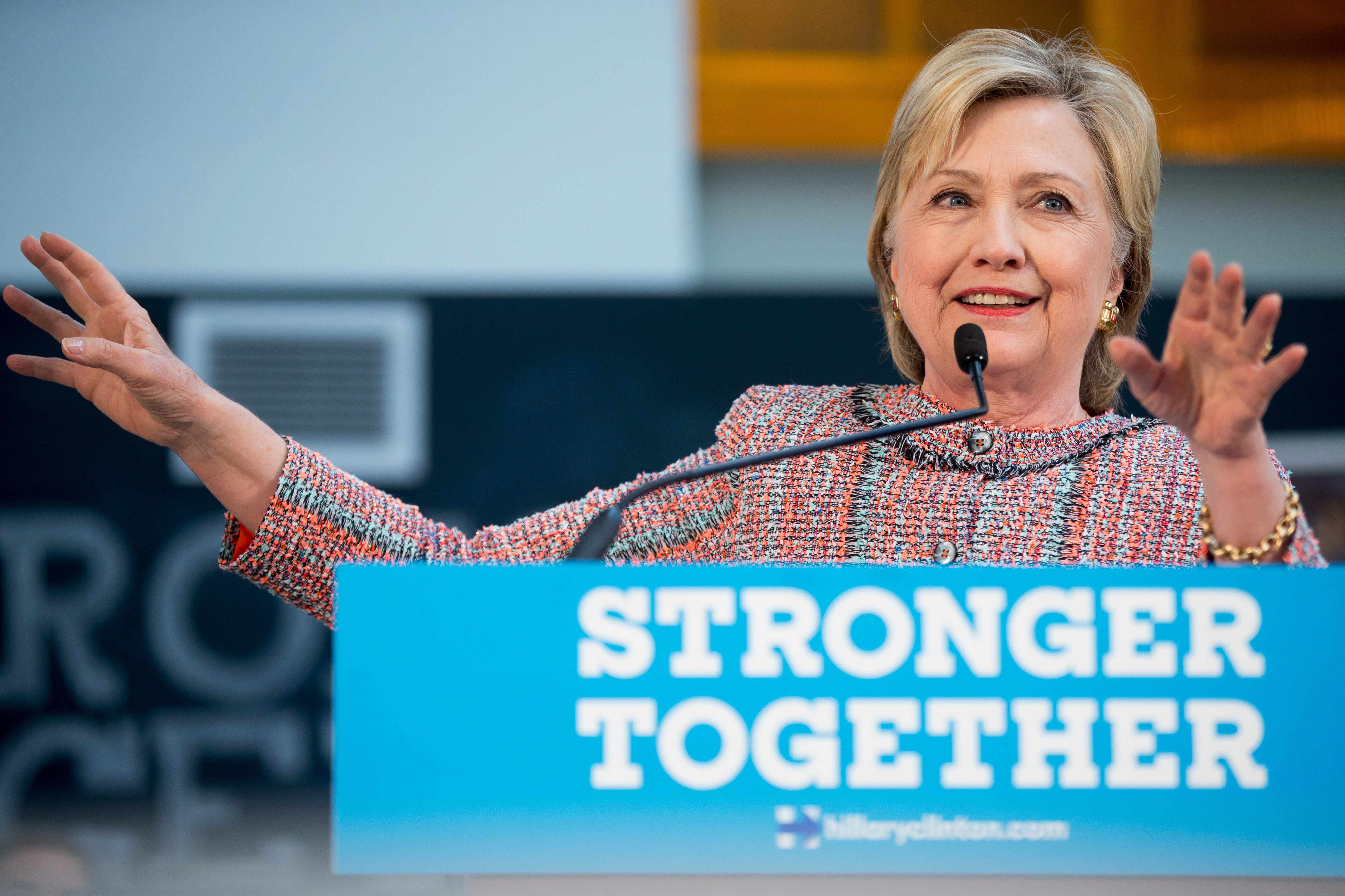 Photo: Hillary Clinton Campaigns In Denver, Day Benghazi Report Is Released