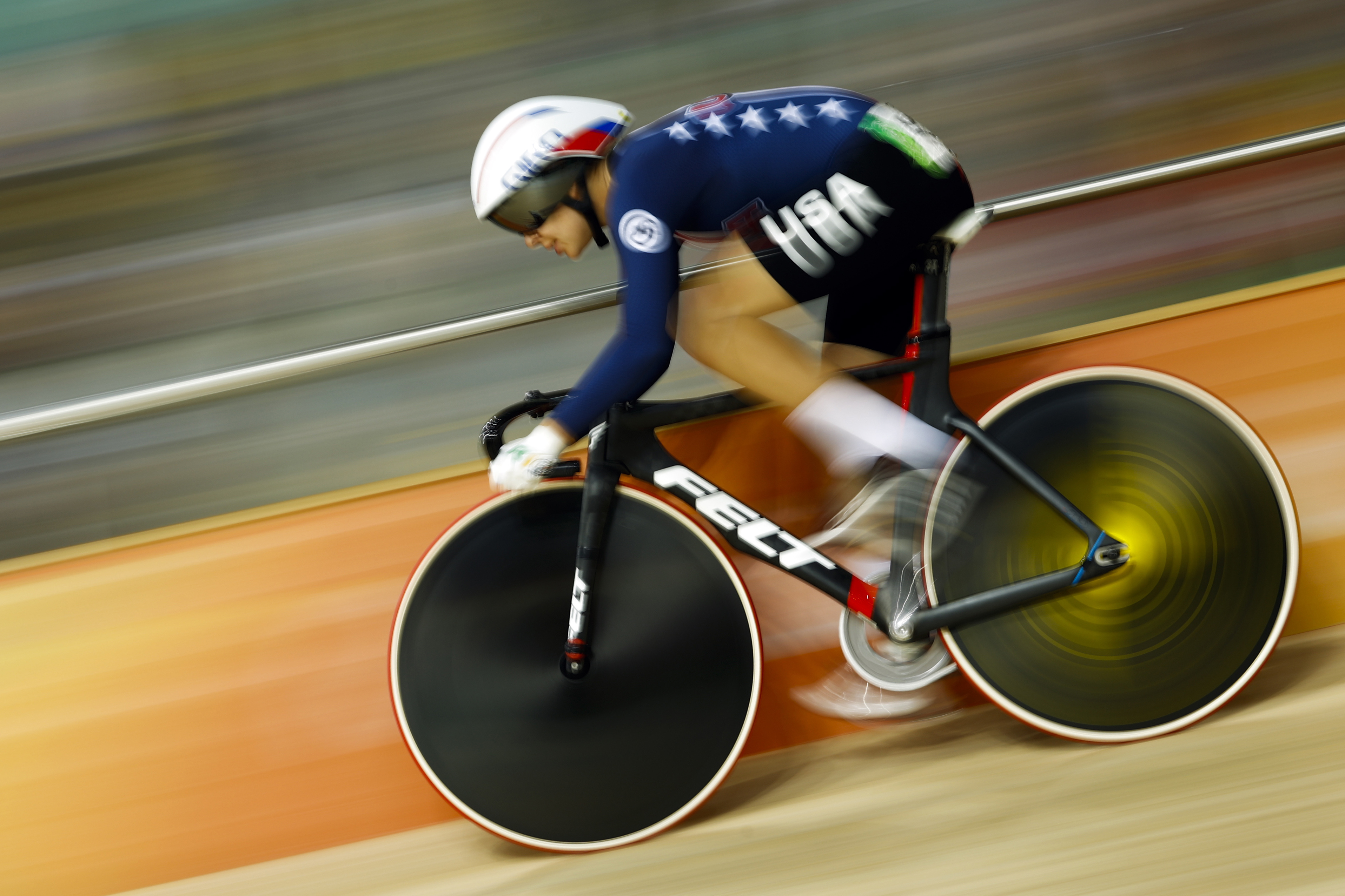 Photo: Sarah Hammer of the United States competes in the women's omnium at the Rio Olympic Velodrome (AP)