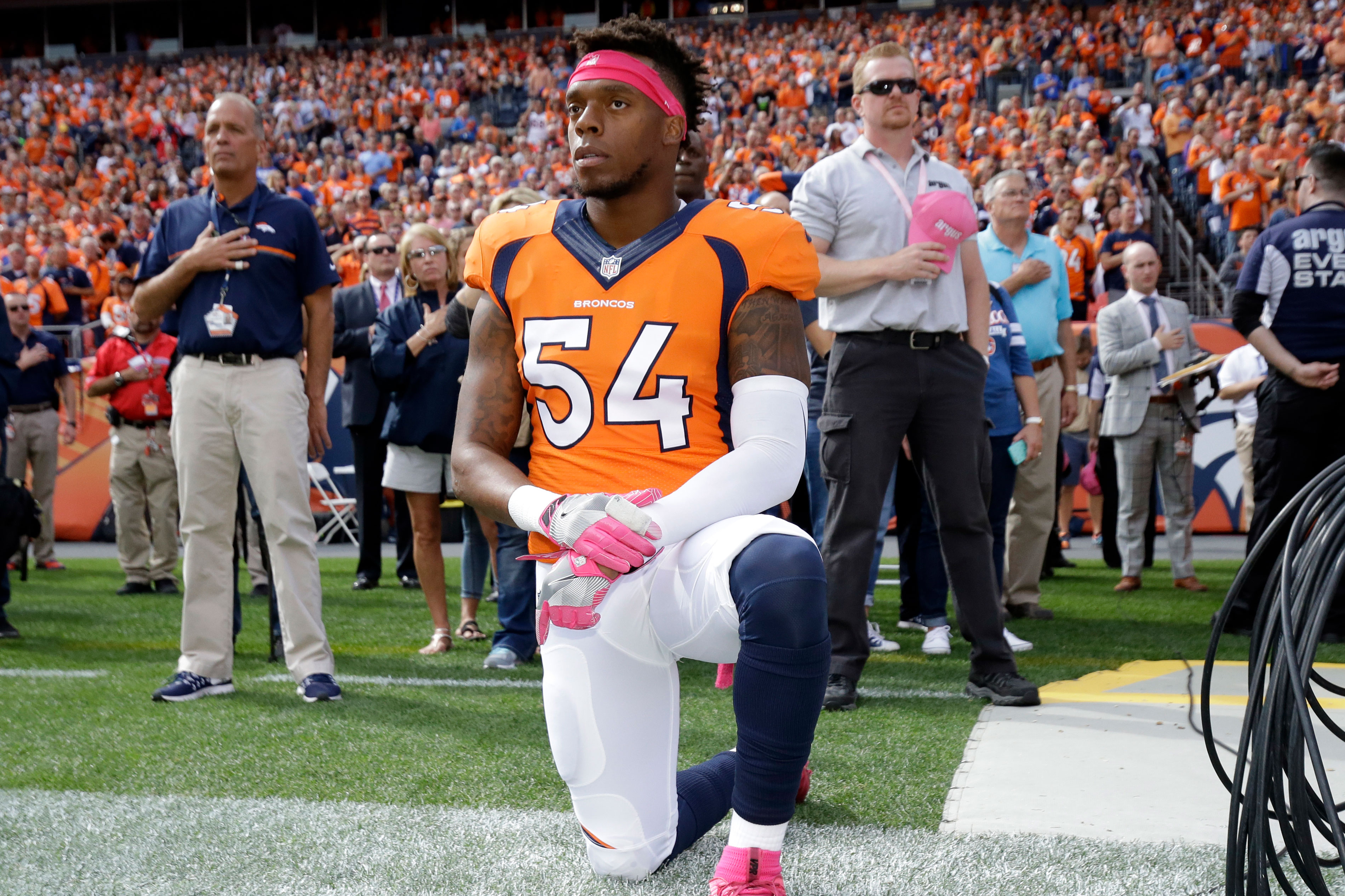 Photo: NFL Anthem Kneeling | Broncos Brandon Marshall - AP