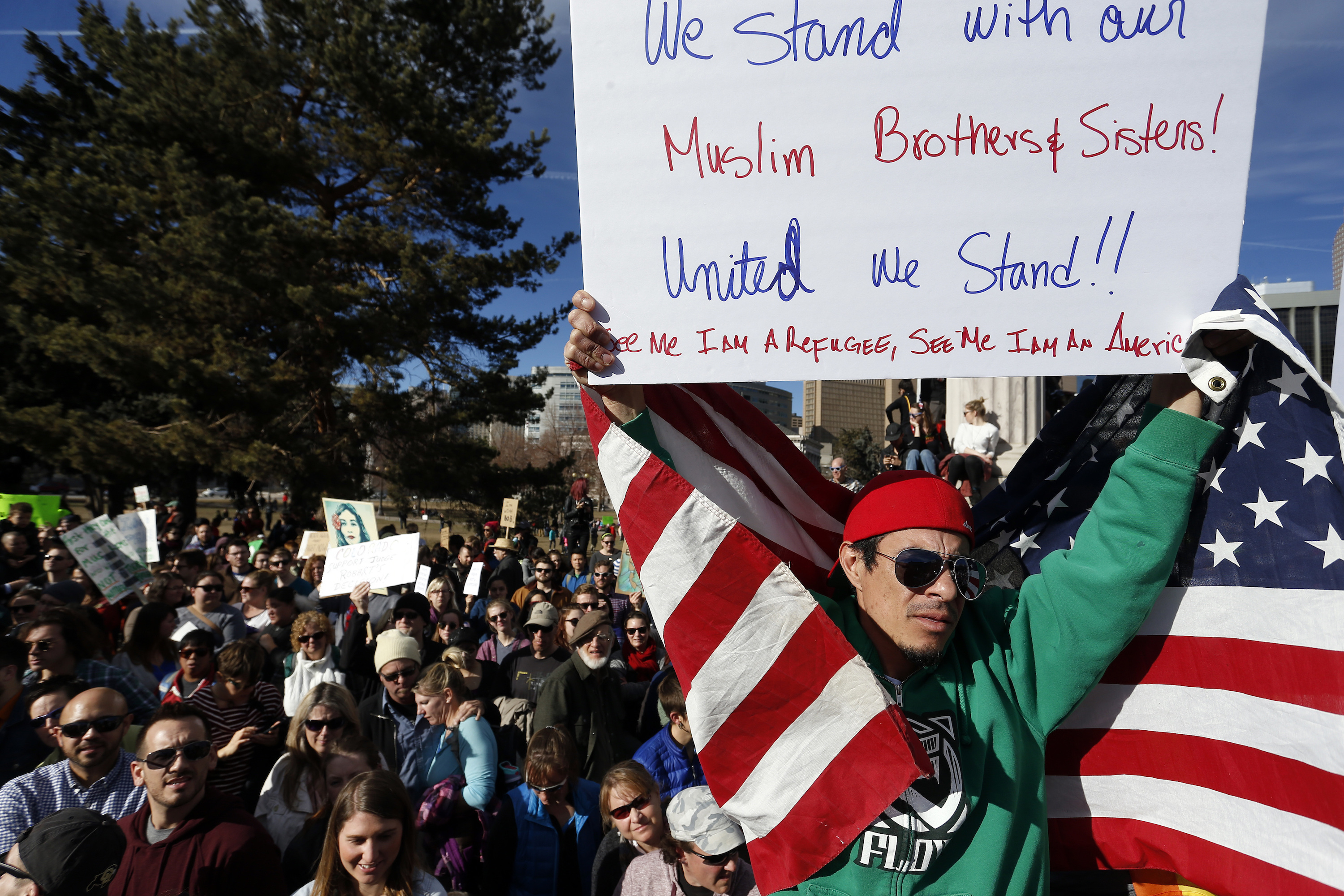 Photo:: Pro-Muslim Rally Denver 2-4-17 Banner (AP)
