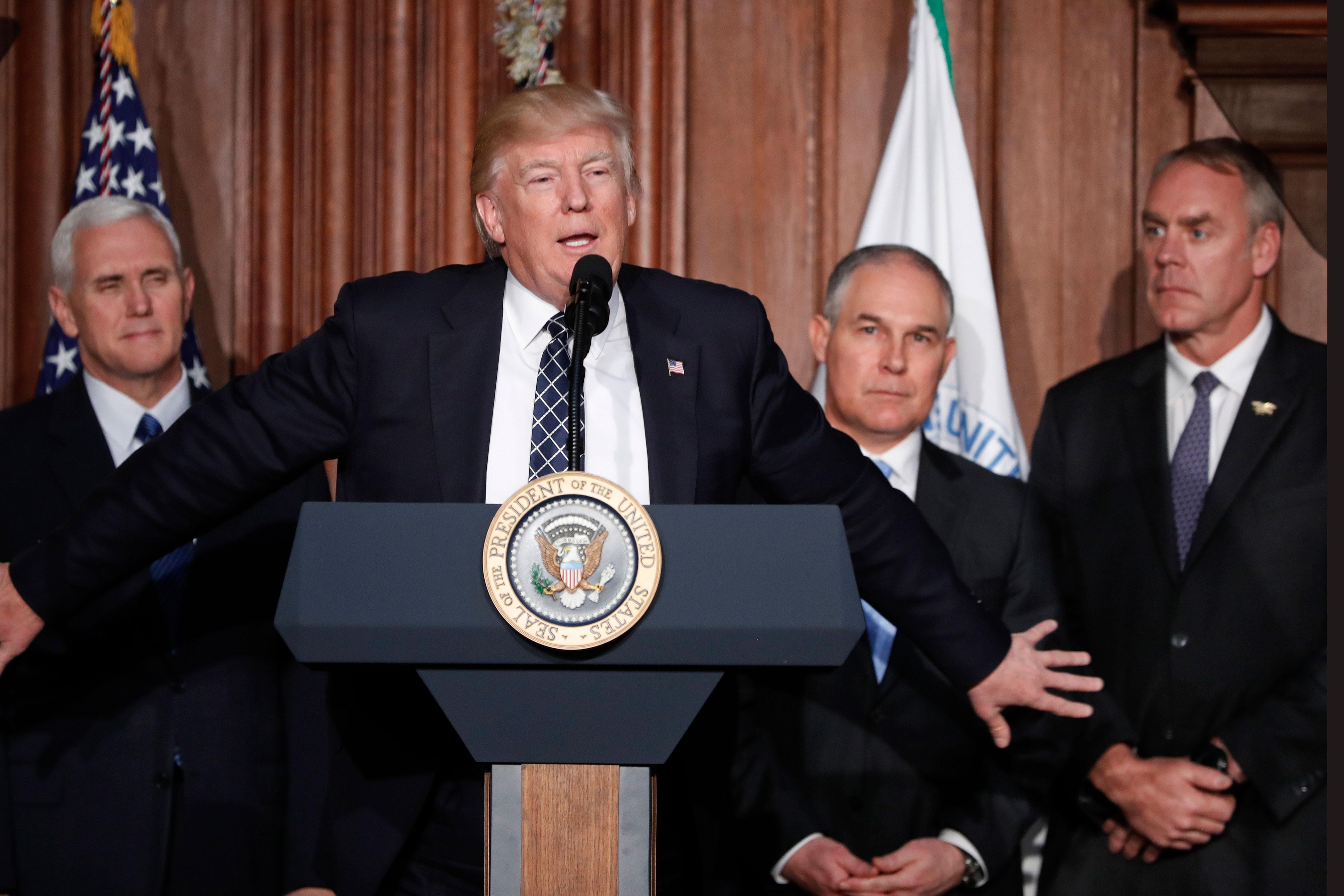 Photo: Trump Climate Plan | Trump, Pence, Pruitt, Zinke At EPA - AP