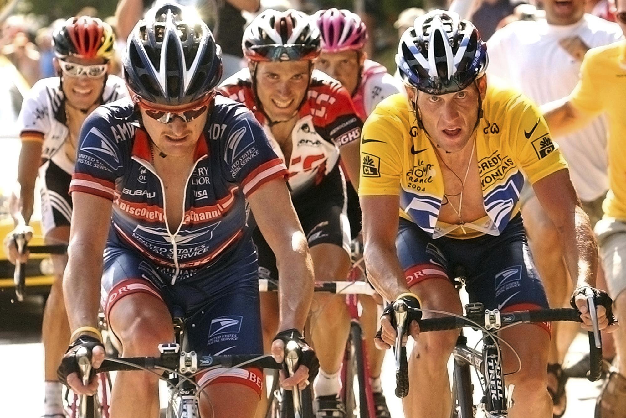 Photo: Floyd Landis Lance Armstrong Tour De France 2004