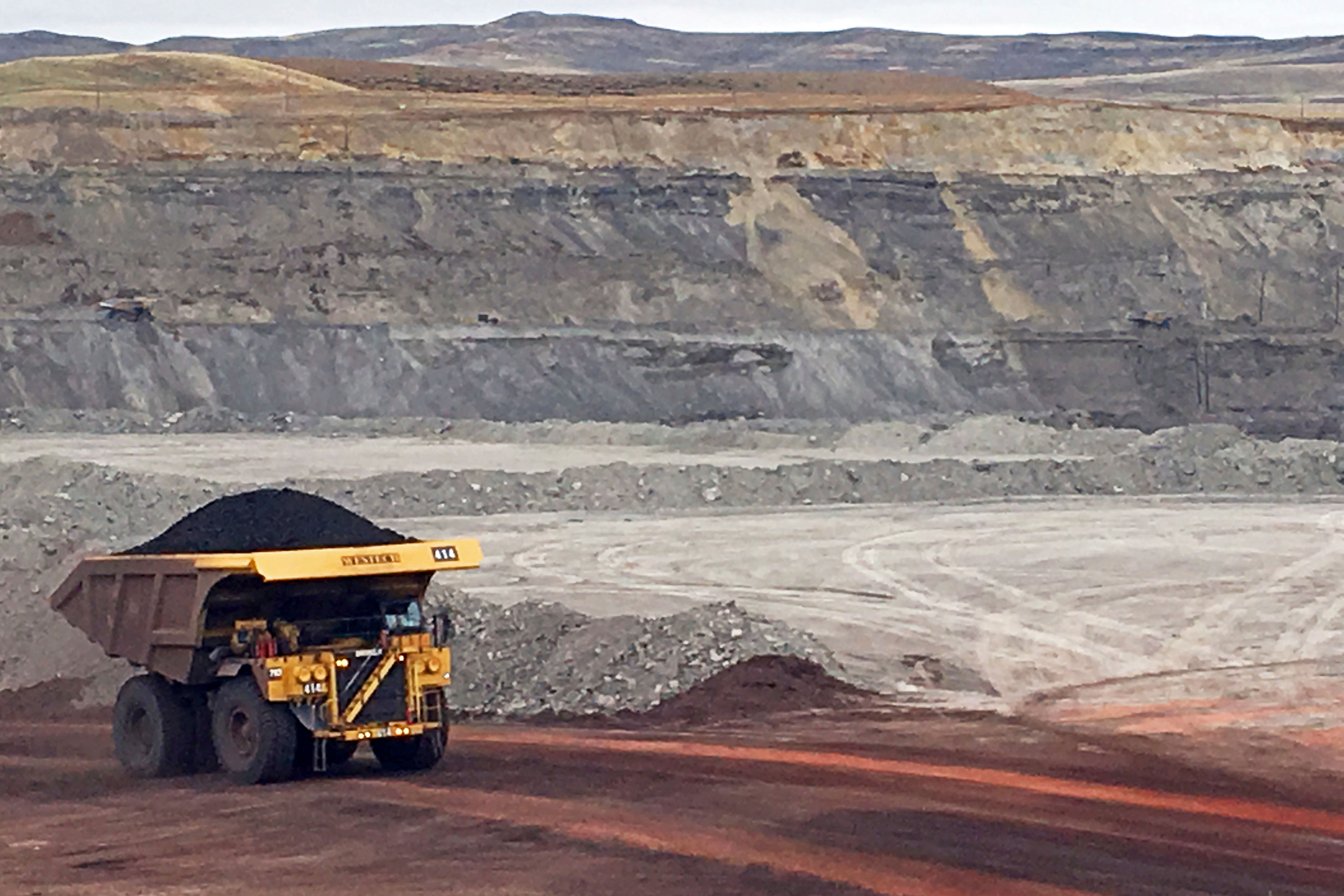 Photo: Coal Leasing Climate Fight | Gillette Wyo Eagle Butte Mine - AP