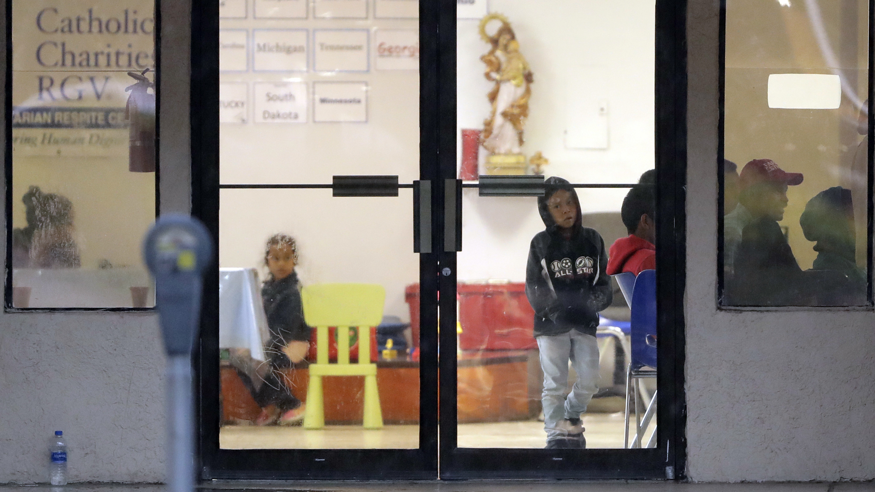 Photo: Immigration Families At The Border Child At Catholic Charities