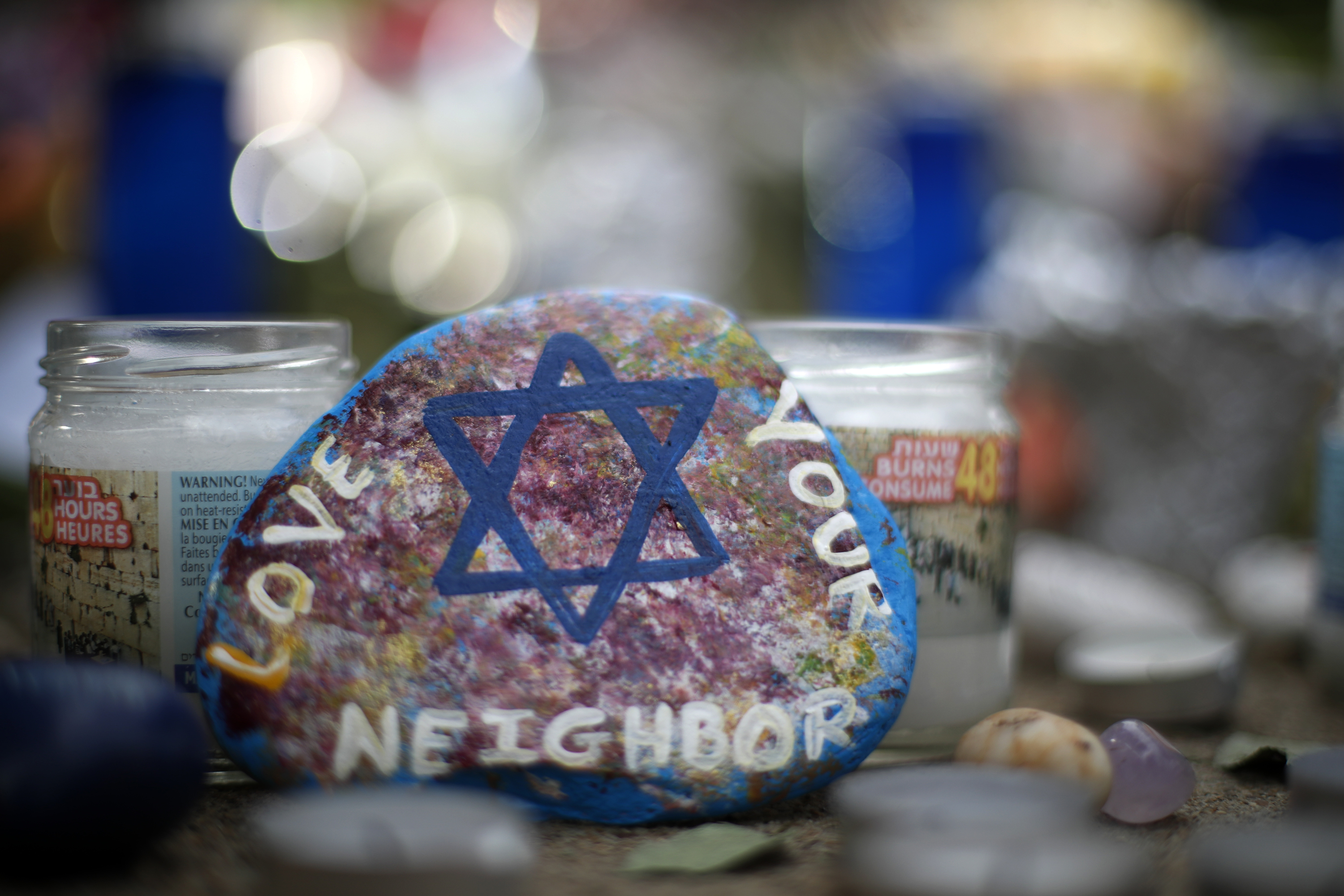 Photo: Tree of Life Synagogue Memorial - AP