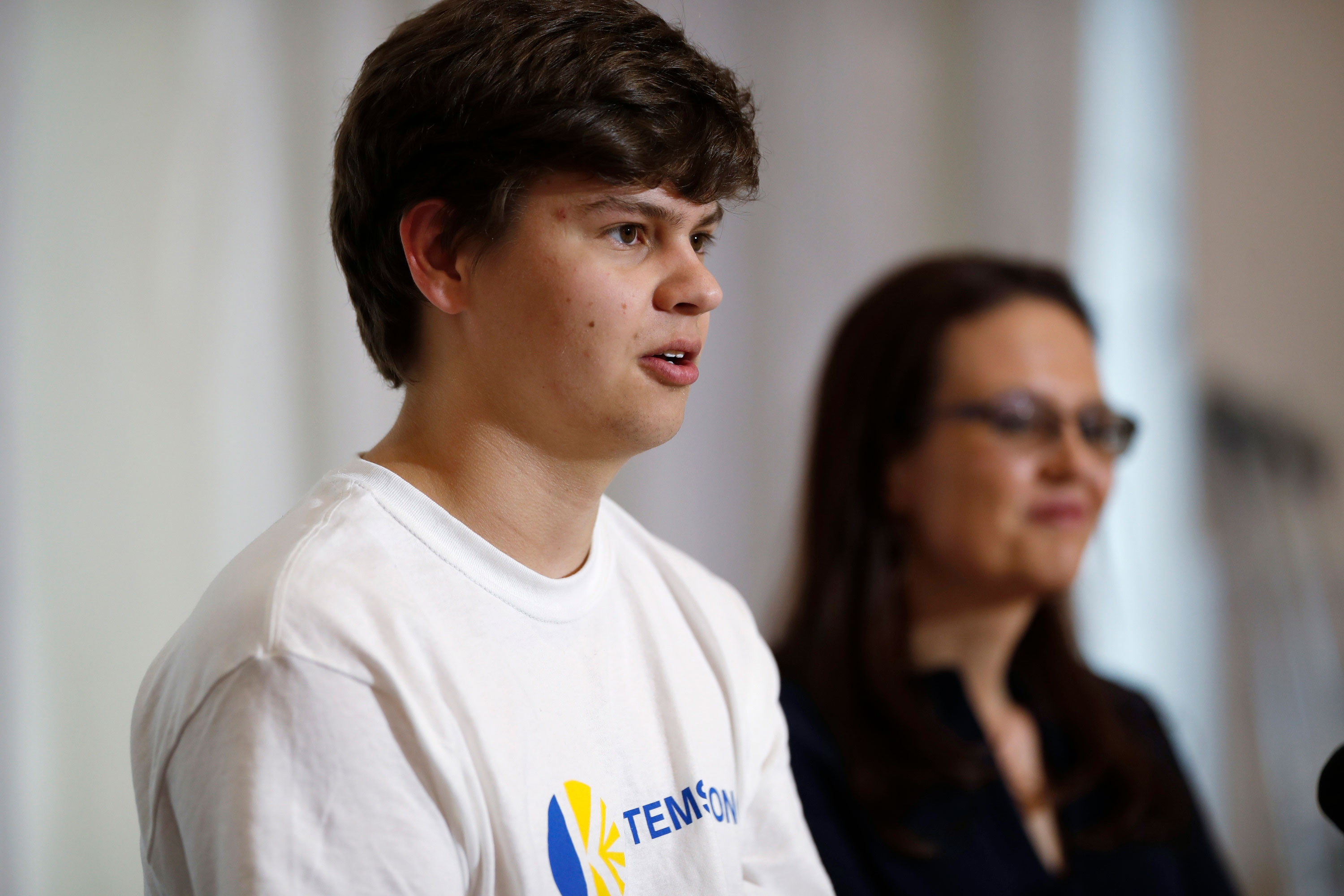 Photo: STEM Shooting 17 | Joshua Jones News Conference w/ Mom - AP