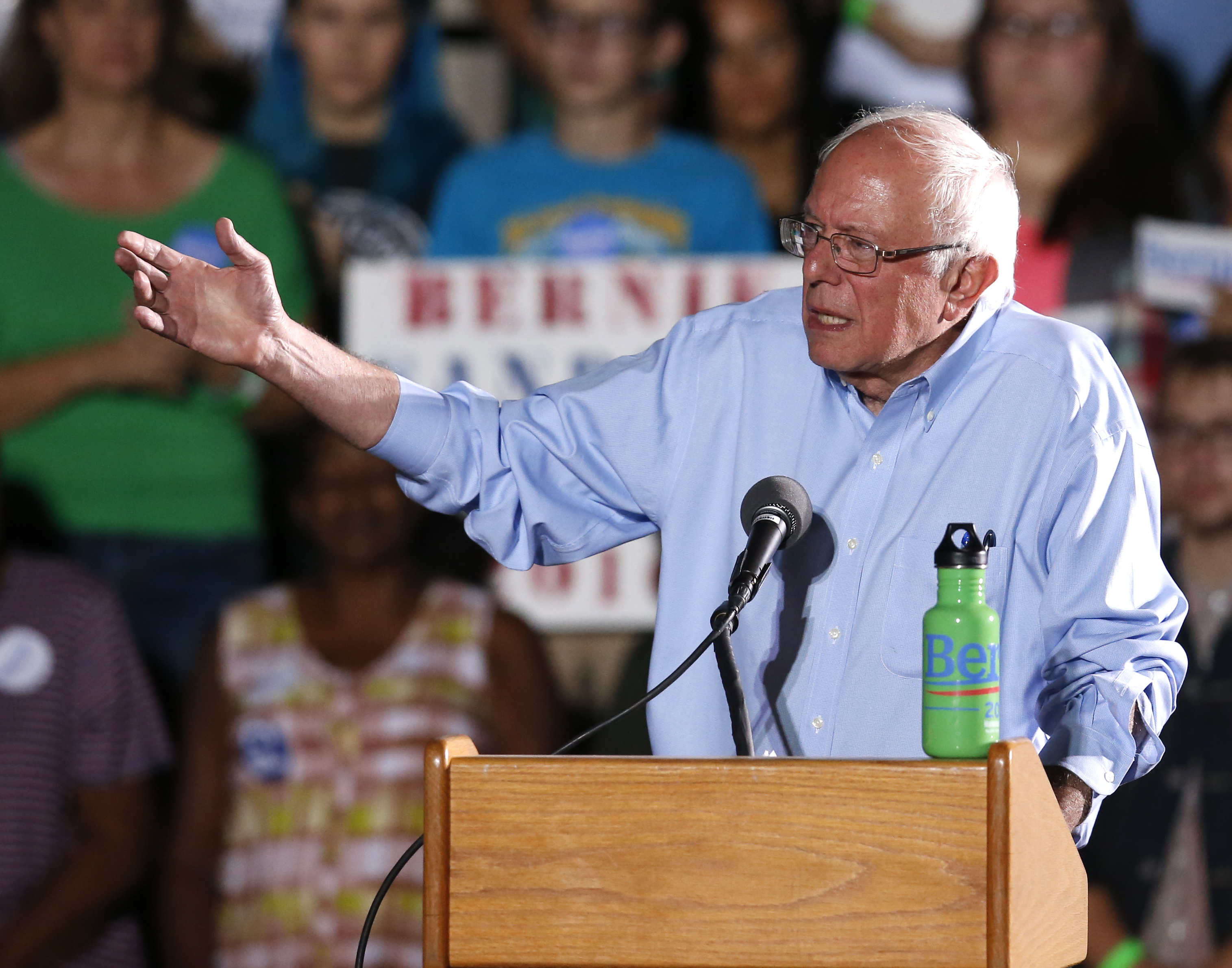 Photo: Democratic presidential candidate Sen. Bernie Sanders in Tucson